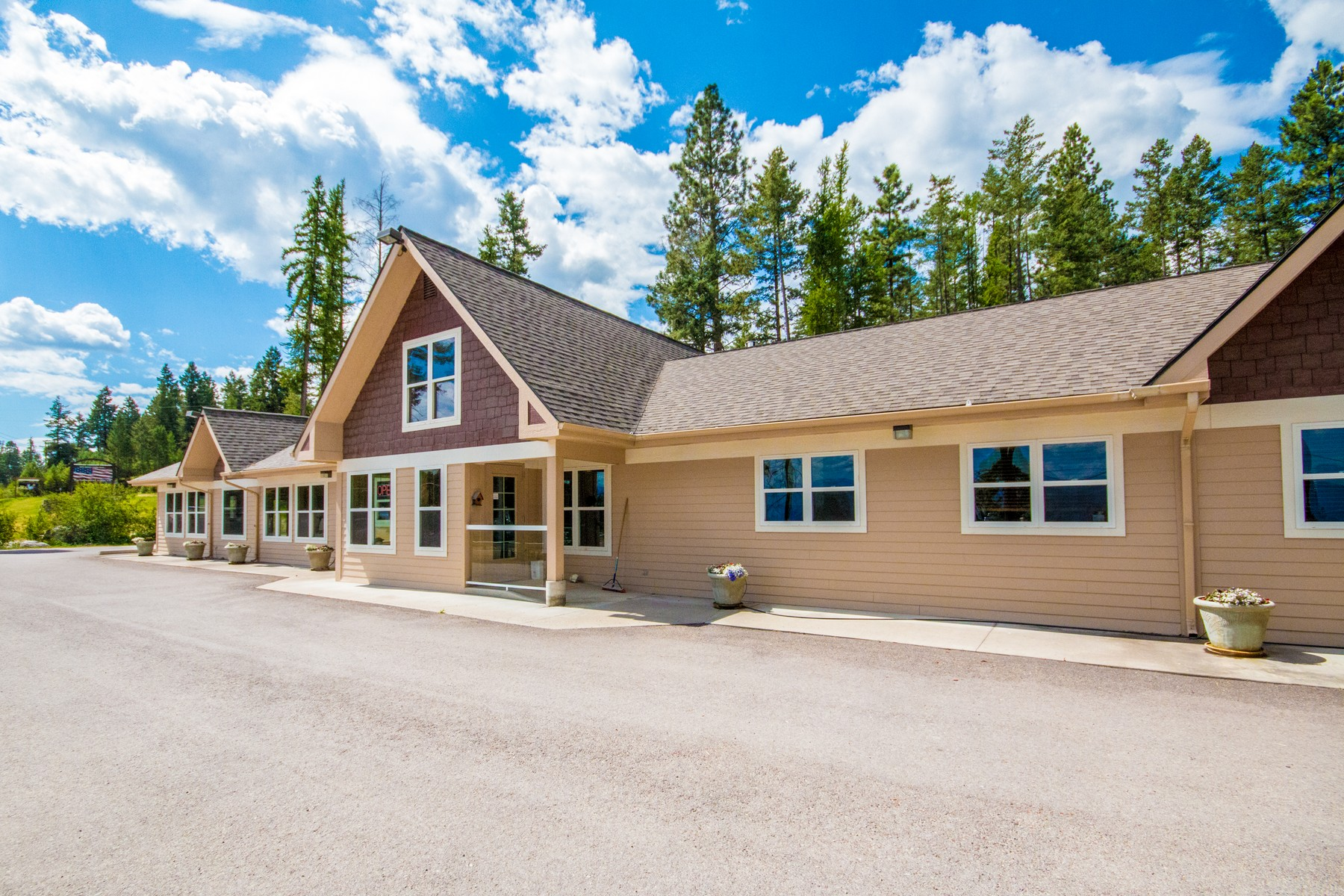 Commercial for Sale at 77 Deer Creek Road , Somers, MT 59932 77 Deer Creek Rd Somers, Montana 59932 United States