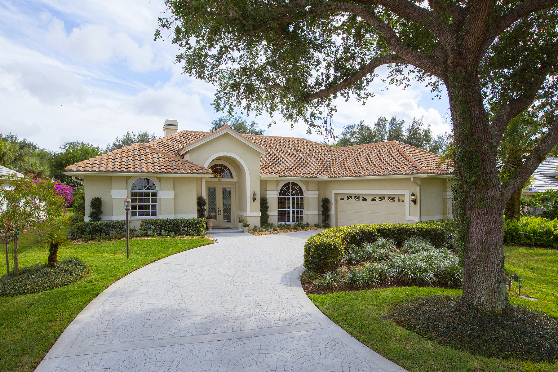 Single Family Home for Sale at Naples 258 Monterey Dr, Naples, Florida 34119 United States