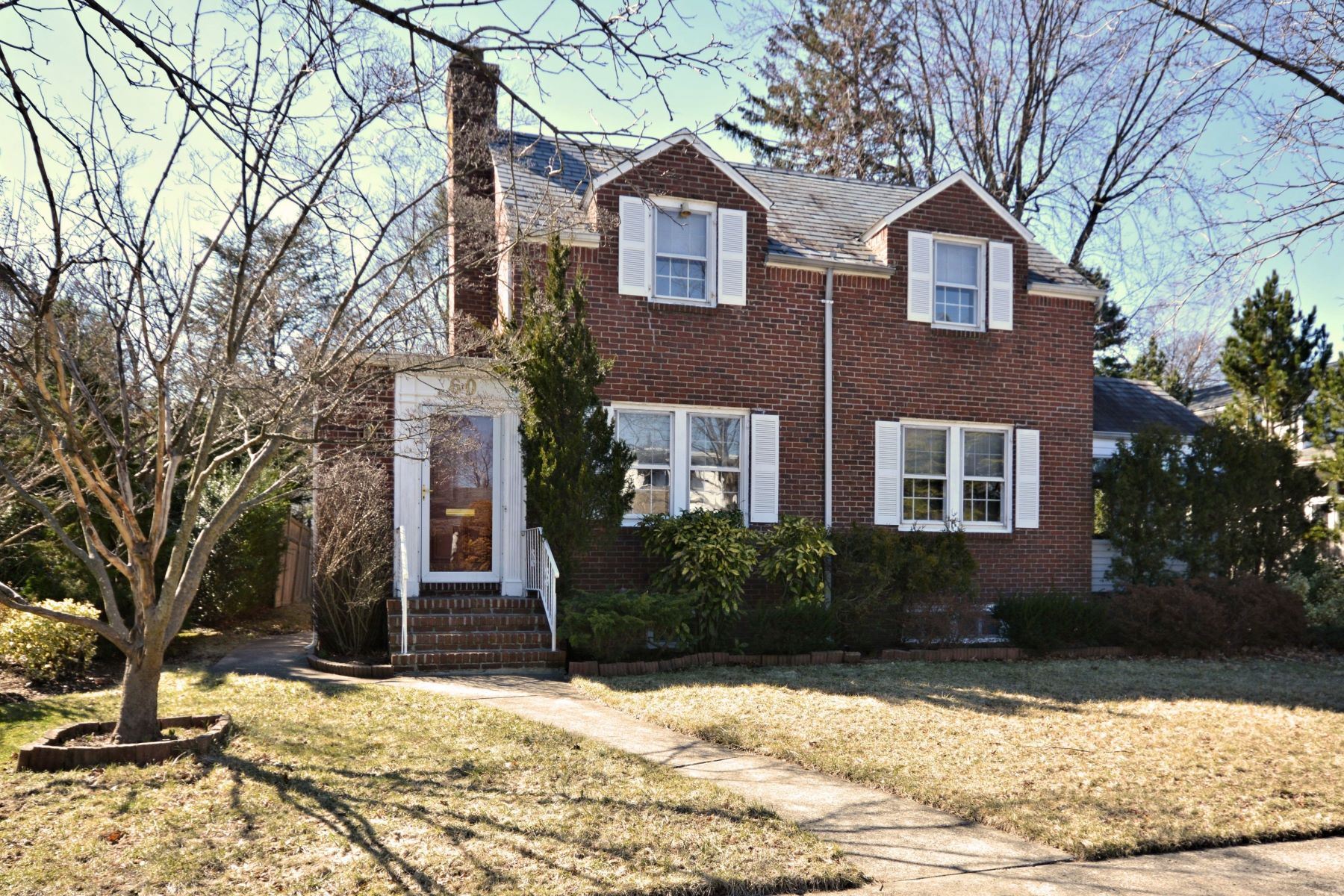 Single Family Home for Sale at 60 Salem Rd , Rockville Centre, NY 11570 60 Salem Rd, Rockville Centre, New York, 11570 United States