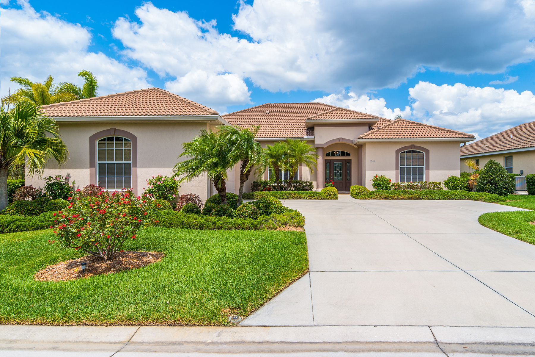 Maison unifamiliale pour l Vente à PELICAN POINTE GOLF & COUNTRY CLUB 1046 Tuscany Blvd Venice, Florida, 34292 États-Unis