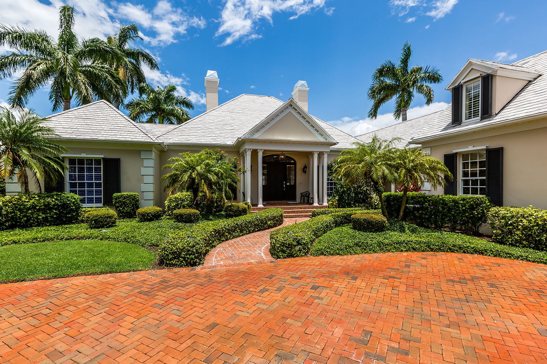 Single Family Home for Sale at PORT ROYAL 3333 Gin Ln, Naples, Florida 34102 United States