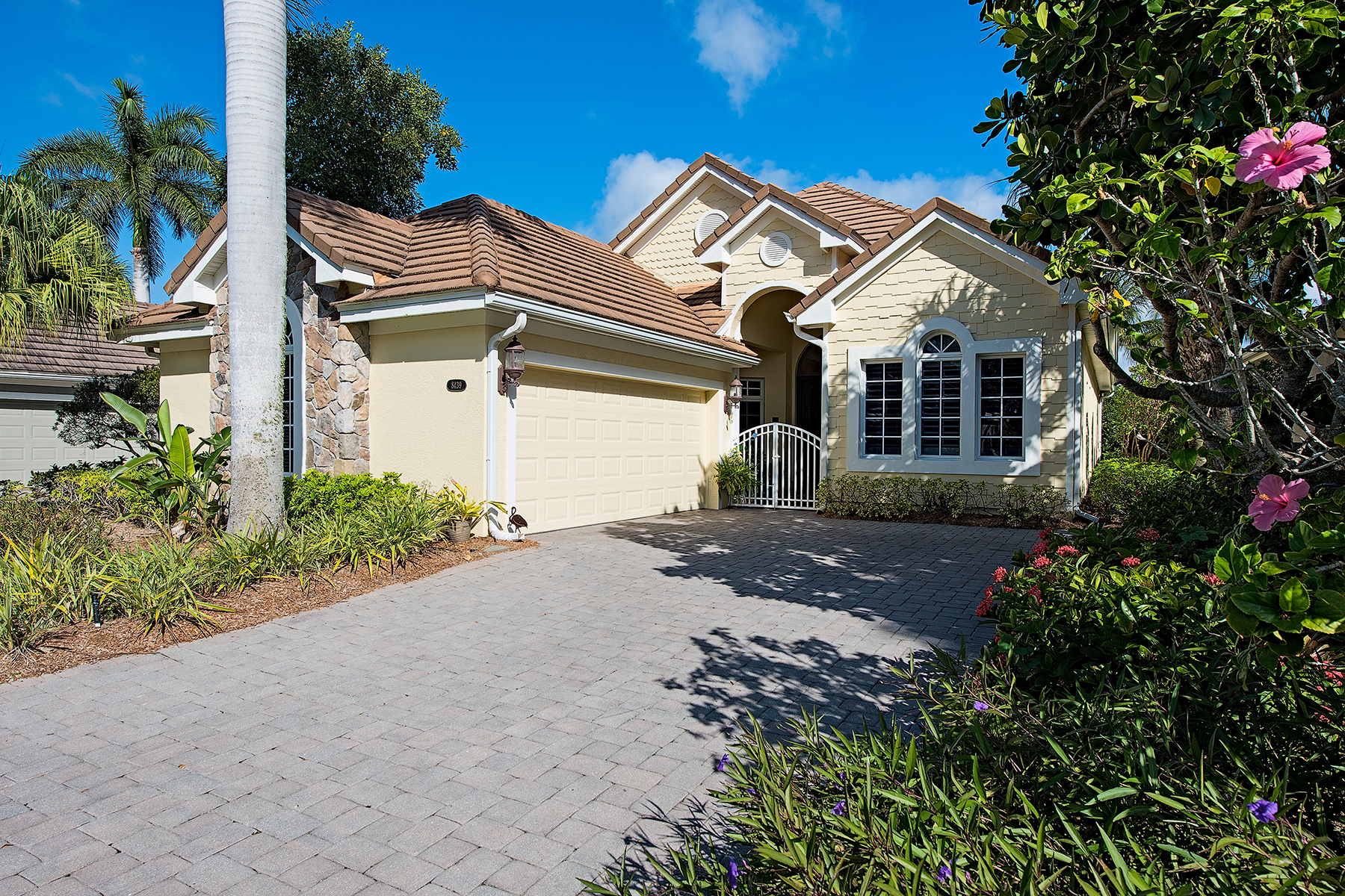 Casa Unifamiliar por un Venta en FIDDLERS CREEK 8439 Mallards Way Naples, Florida, 34114 Estados Unidos