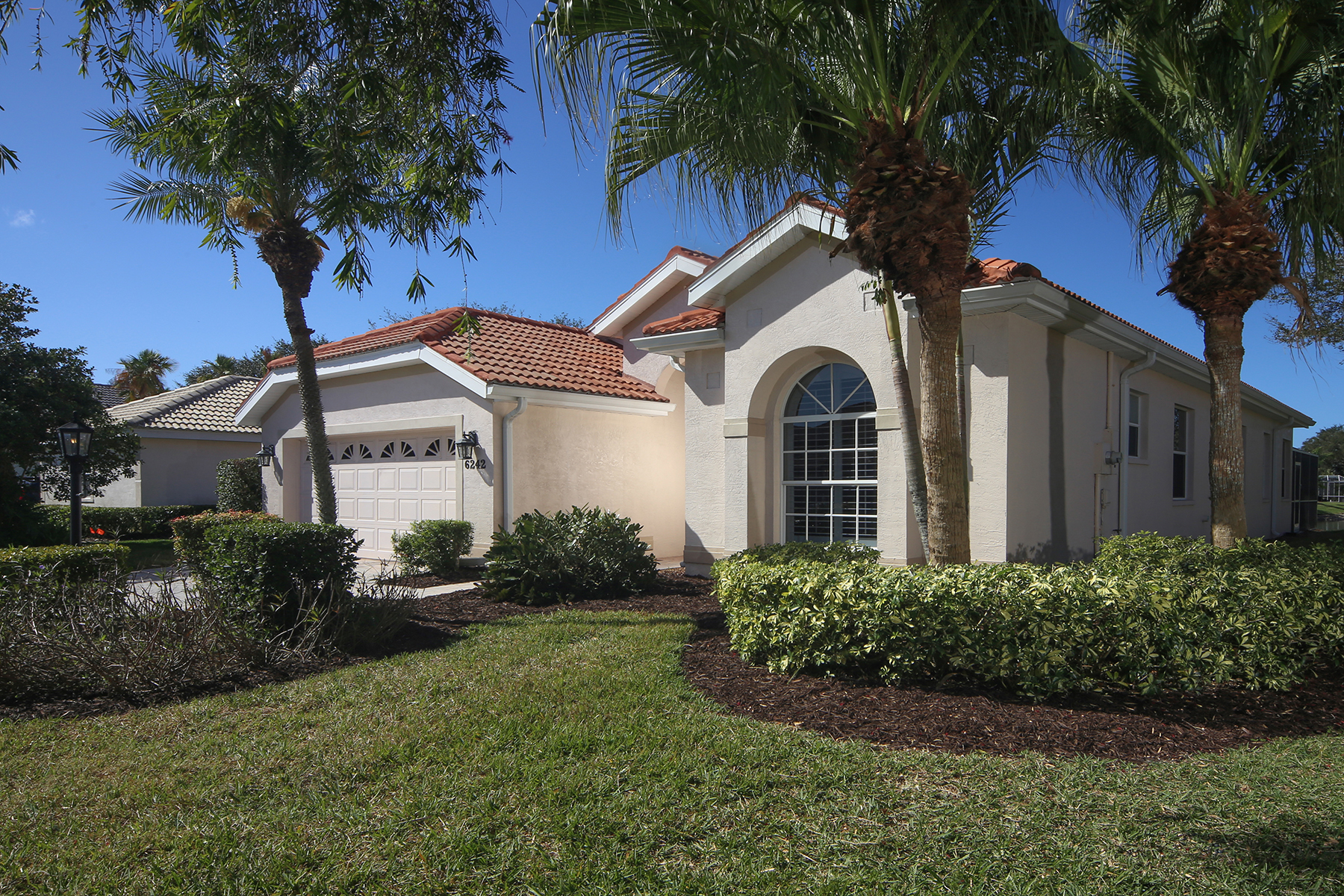 Single Family Home for Sale at THE HAMPTONS 6242 Sturbridge Ct, Sarasota, Florida, 34238 United States