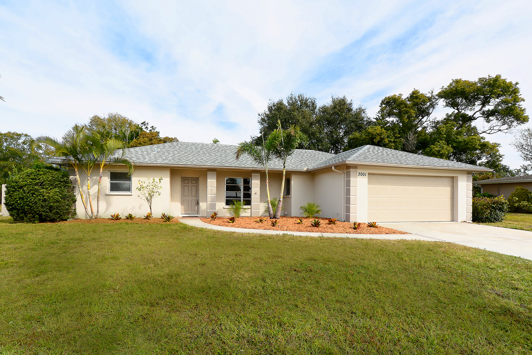 Single Family Home for Sale at SOUTH GATE 3001 Jennings Dr, Sarasota, Florida 34239 United States