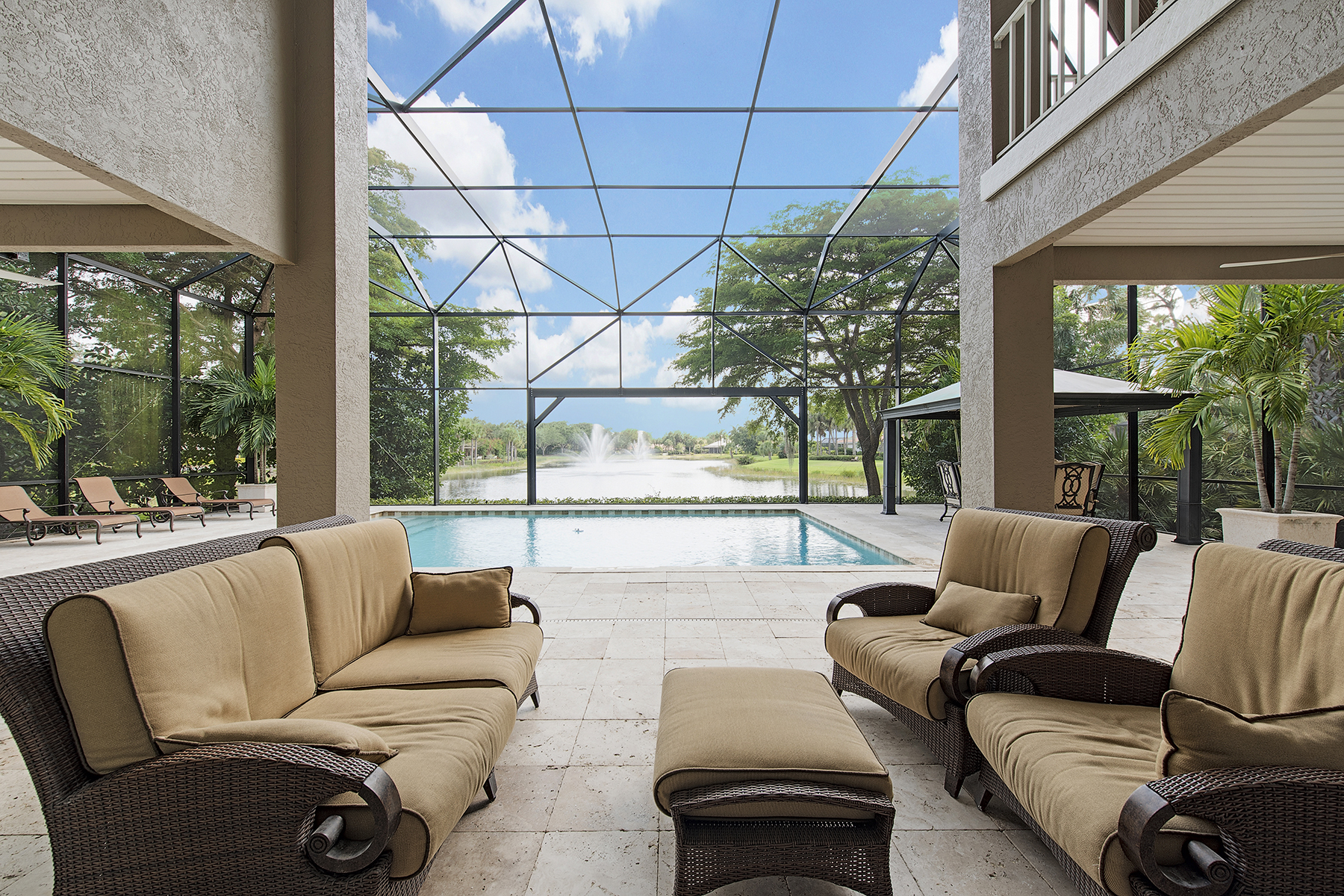 Villa per Vendita alle ore PELICAN LANDING - LONGLAKE 24560 Woodsage Dr Bonita Springs, Florida, 34134 Stati Uniti