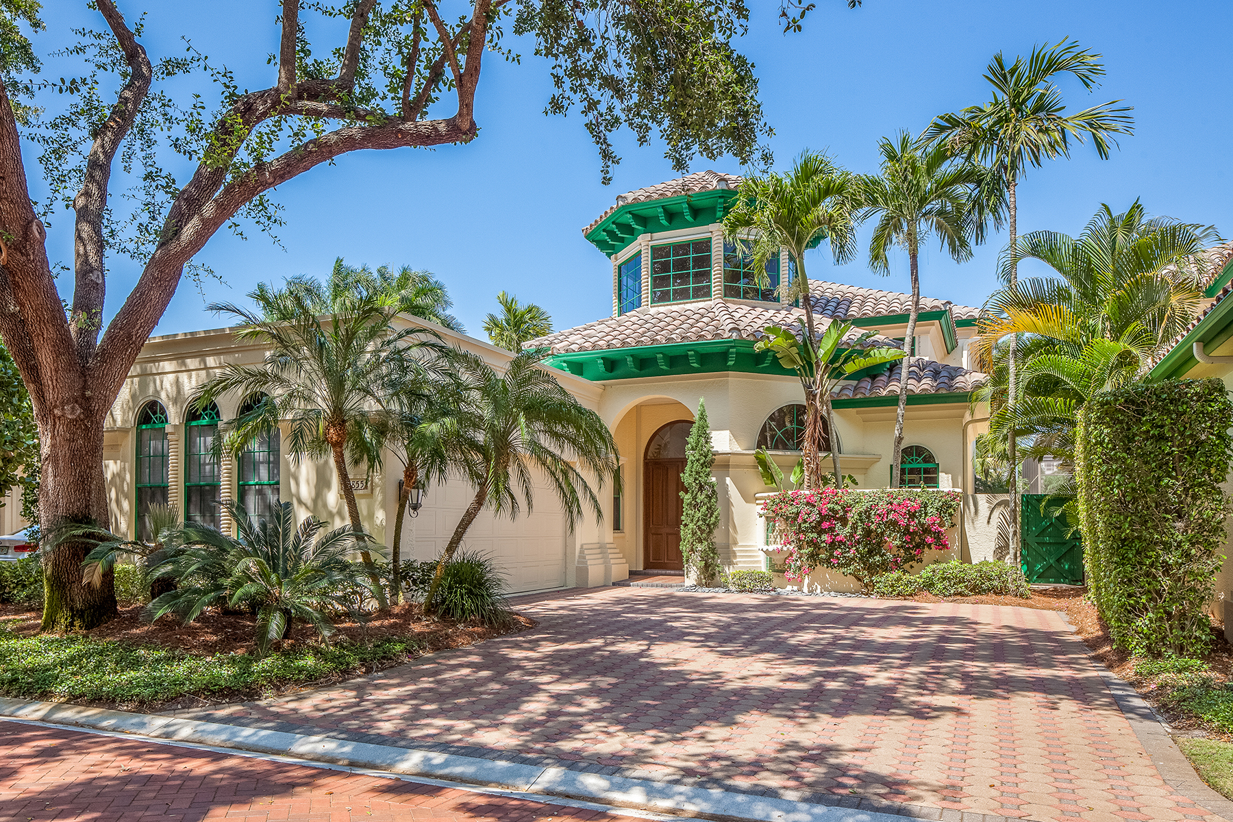 Single Family Home for Sale at PELICAN BAY - VIZCAYA AT BAY COLONY 7855 Vizcaya Way Naples, Florida, 34108 United States