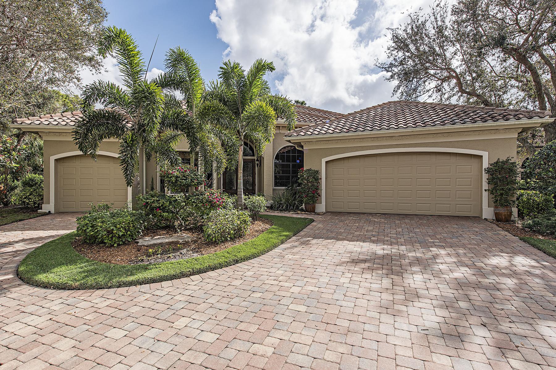 단독 가정 주택 용 매매 에 BONITA BAY - LAUREL RIDGE 3071 Laurel Ridge Ct, Bonita Springs, 플로리다, 34134 미국