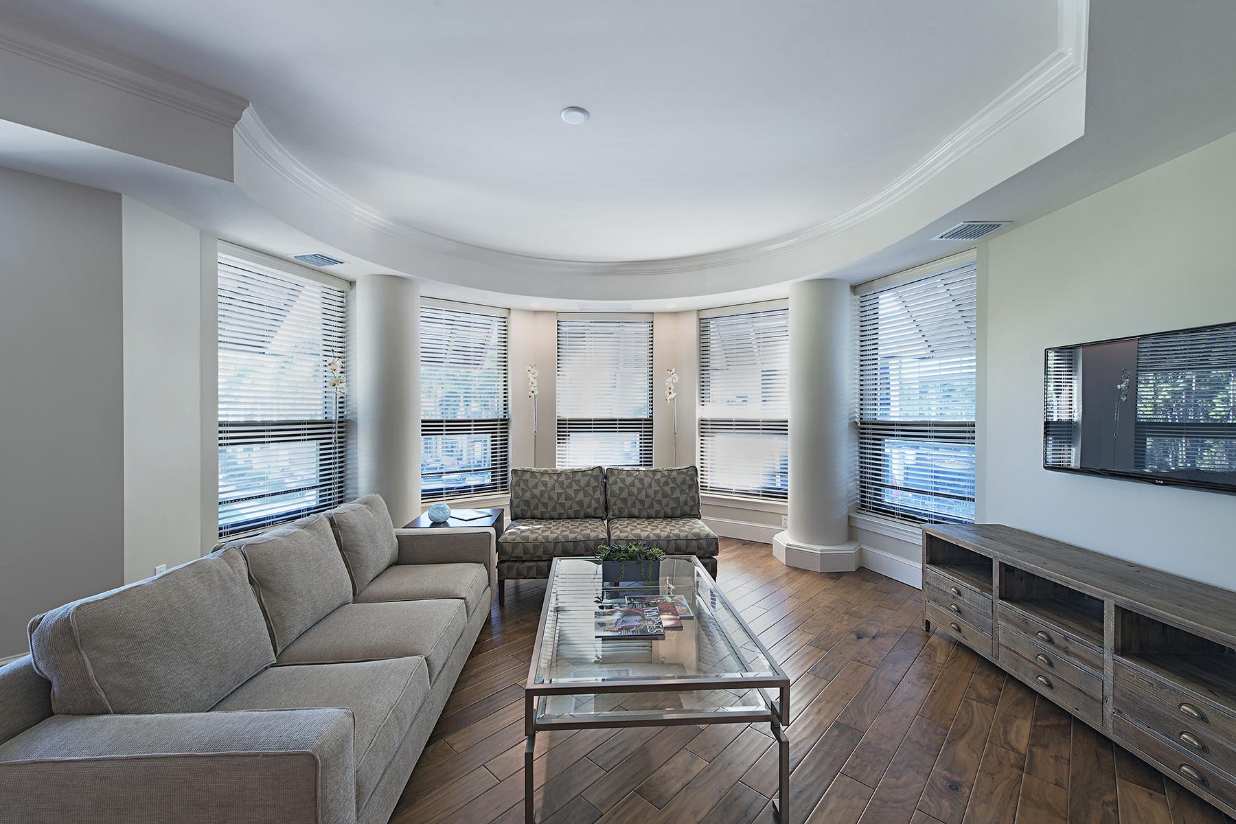 共管式独立产权公寓 为 销售 在 MERCATO 9123 Strada Pl 7216 那不勒斯, 佛罗里达州, 34108 美国