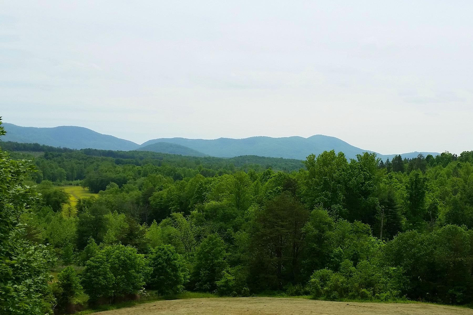 Casa Unifamiliar por un Venta en MORGANTON - 332 Acres 5200 Seven Springs Ln Morganton, Carolina Del Norte 28655 Estados Unidos