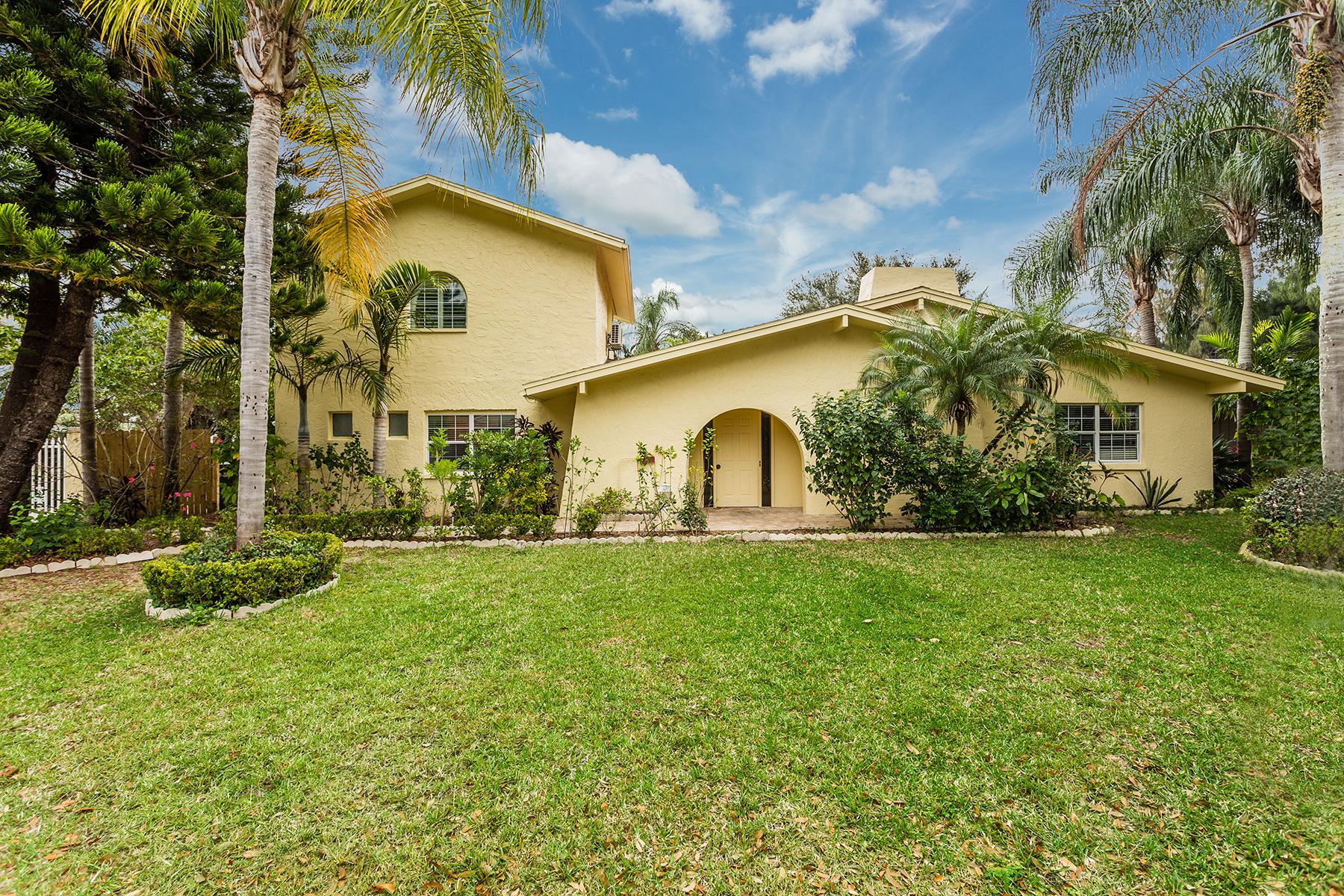 Casa Unifamiliar por un Venta en LARGO 815 Seacrest Dr Largo, Florida, 33771 Estados Unidos