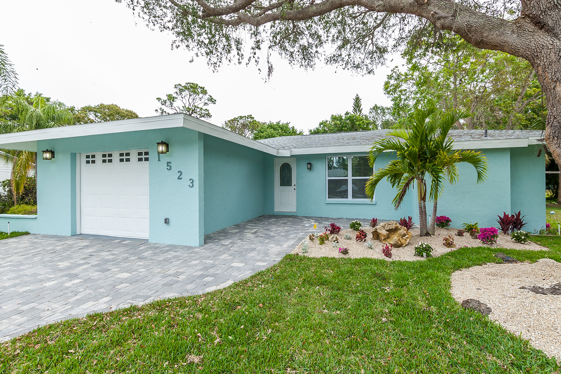 Single Family Home for Sale at ELYSIAN HEIGHTS 1523 84th St NW, Bradenton, Florida, 34209 United States