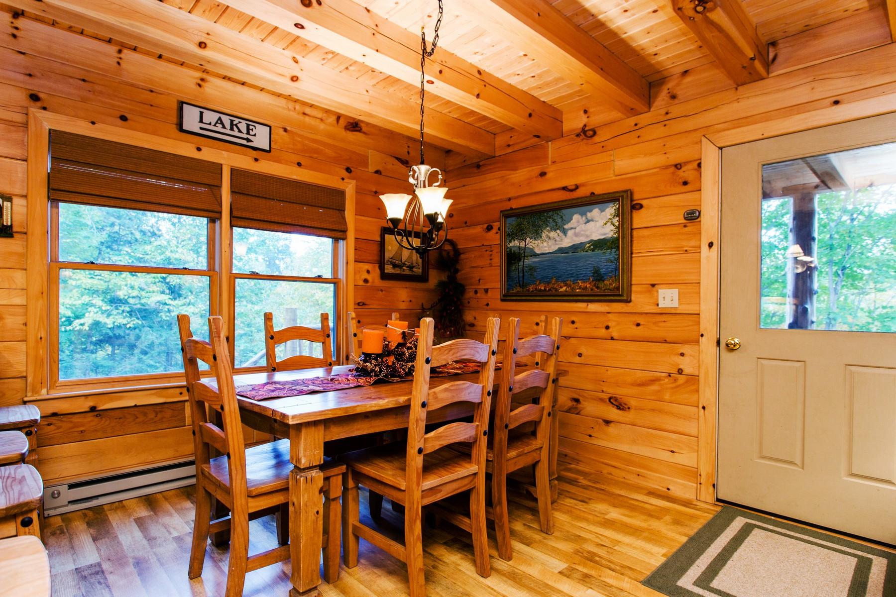 Additional photo for property listing at Lake George - Log Home 5500  Bluff Head Rd Dresden, Nueva York 12841 Estados Unidos