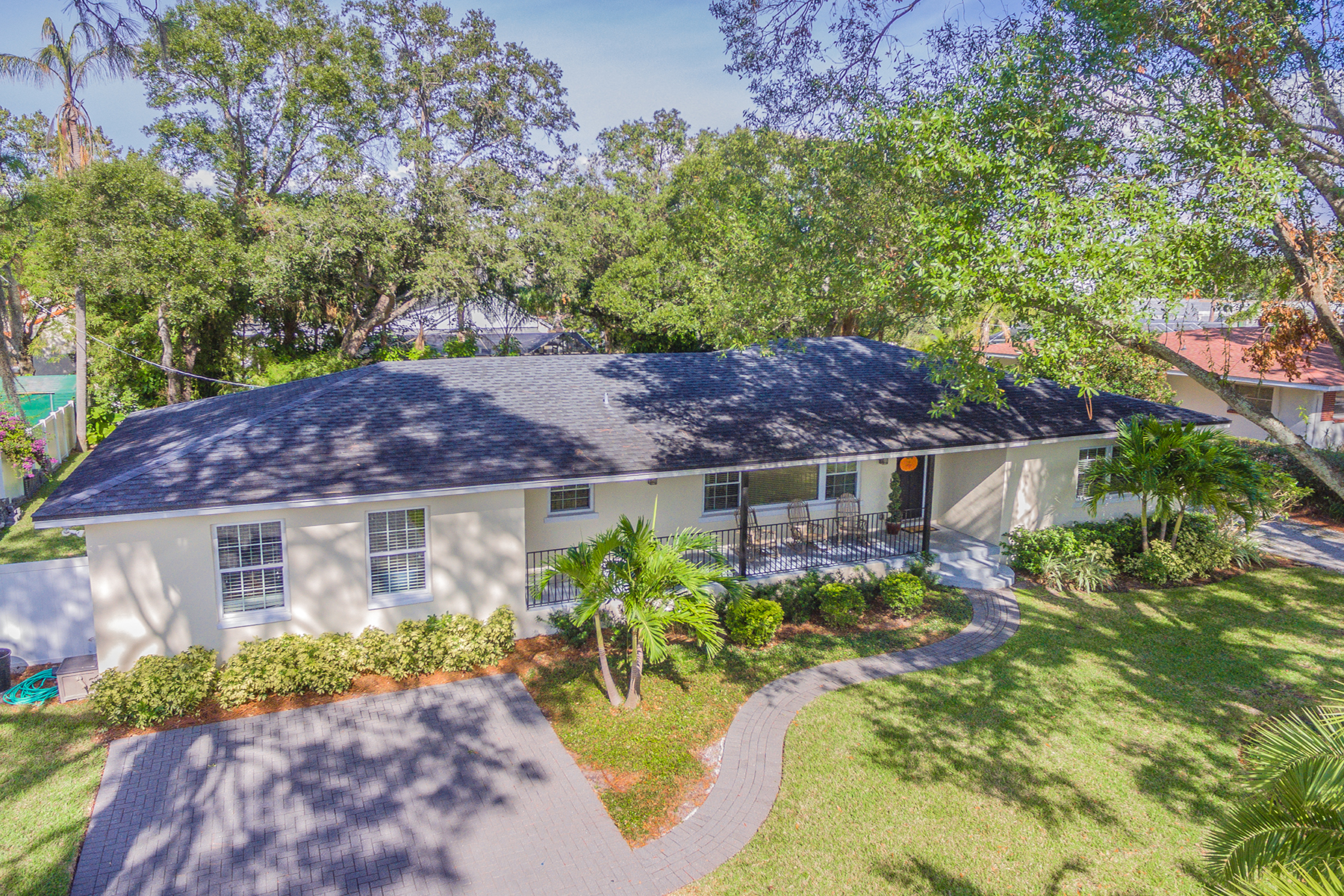 Single Family Home for Sale at SOUTH TAMPA 5007 W Leona St, Tampa, Florida, 33629 United States