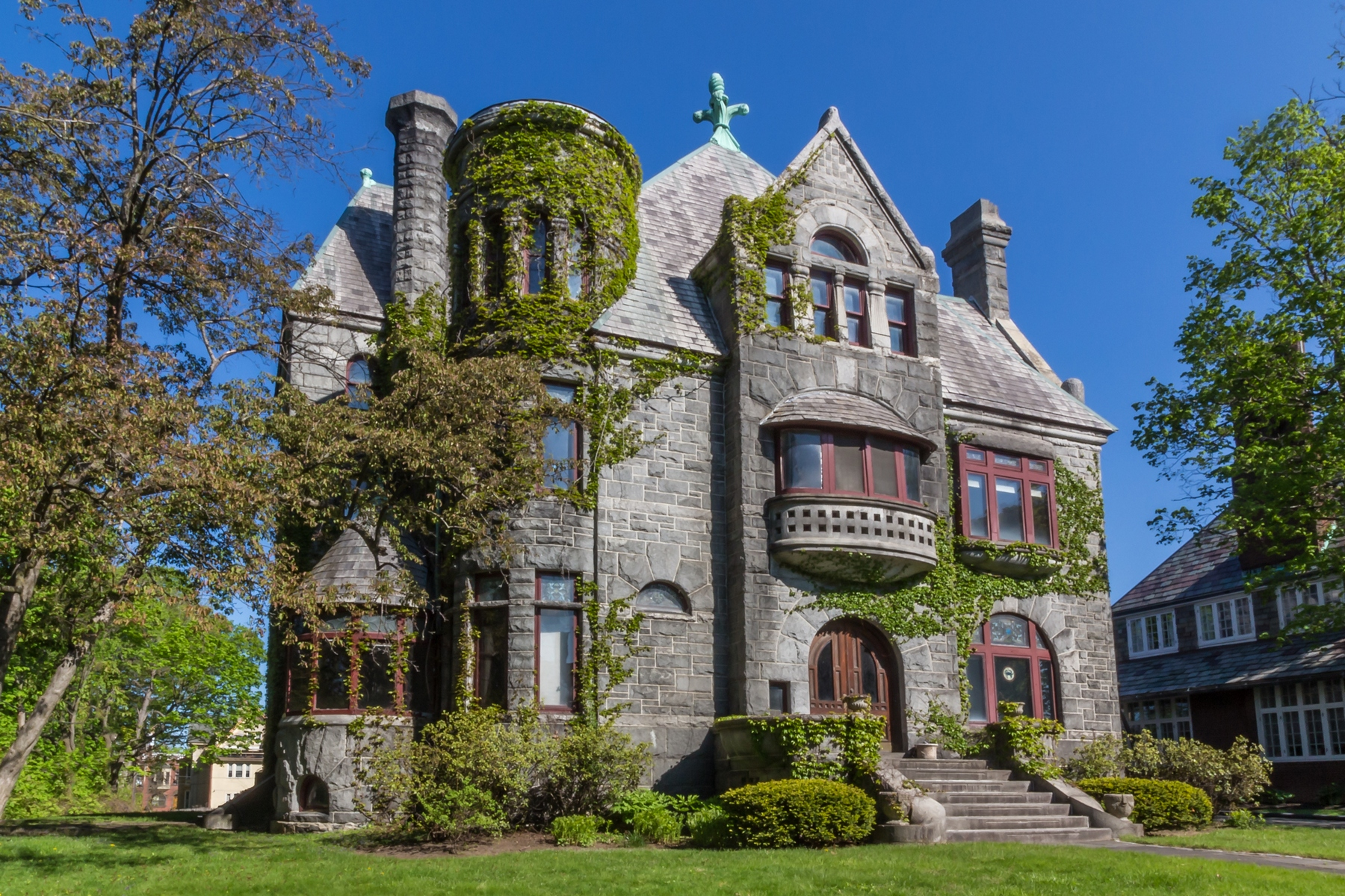 Maison unifamiliale pour l Vente à Finely Built Romanesque Style Home 10 Thurlow Ter Albany, New York 12203 États-Unis