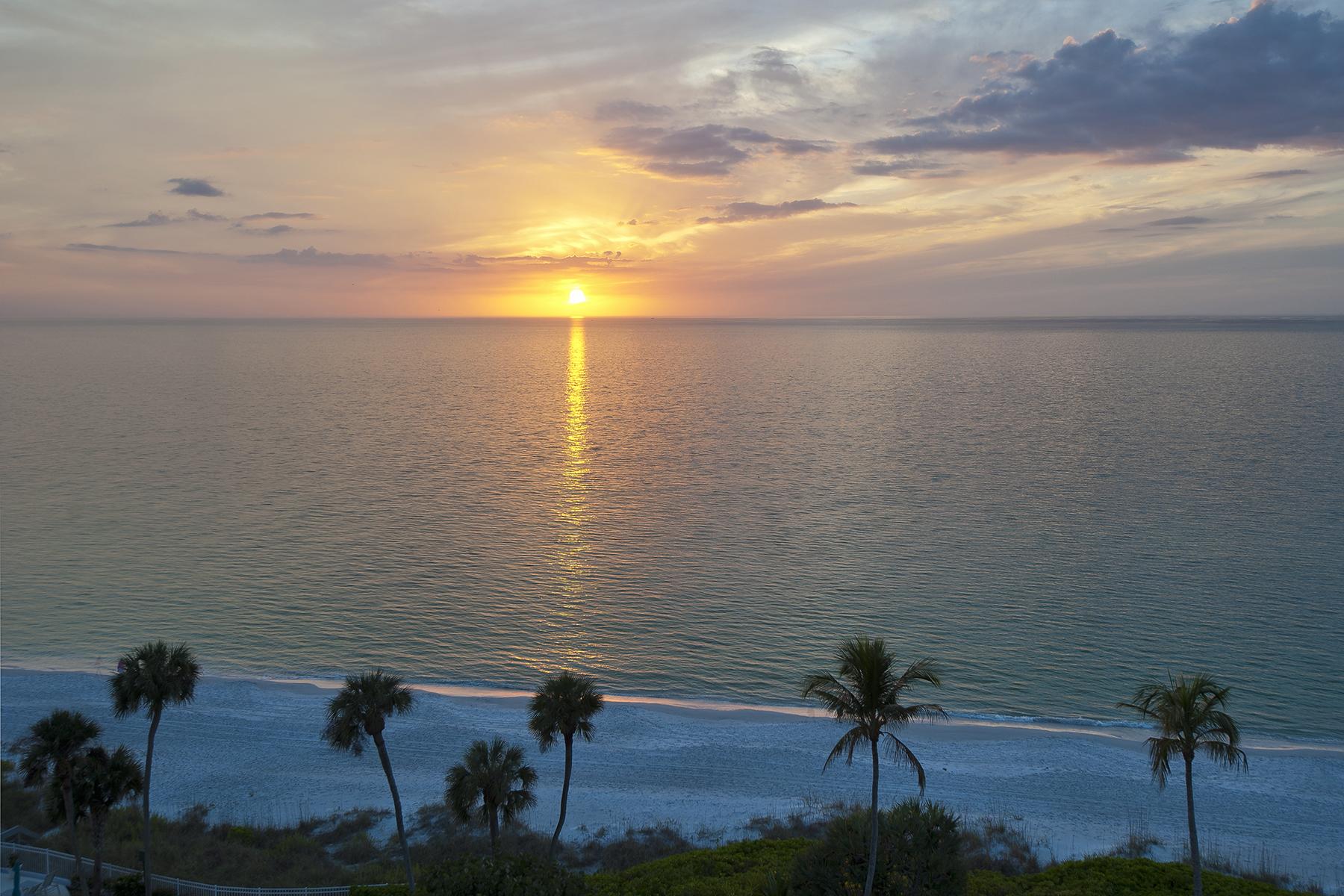 Appartement en copropriété pour l Vente à Moorings-Westgate 2905 Gulf Shore Blvd N W6N Naples, Florida, 34103 États-Unis
