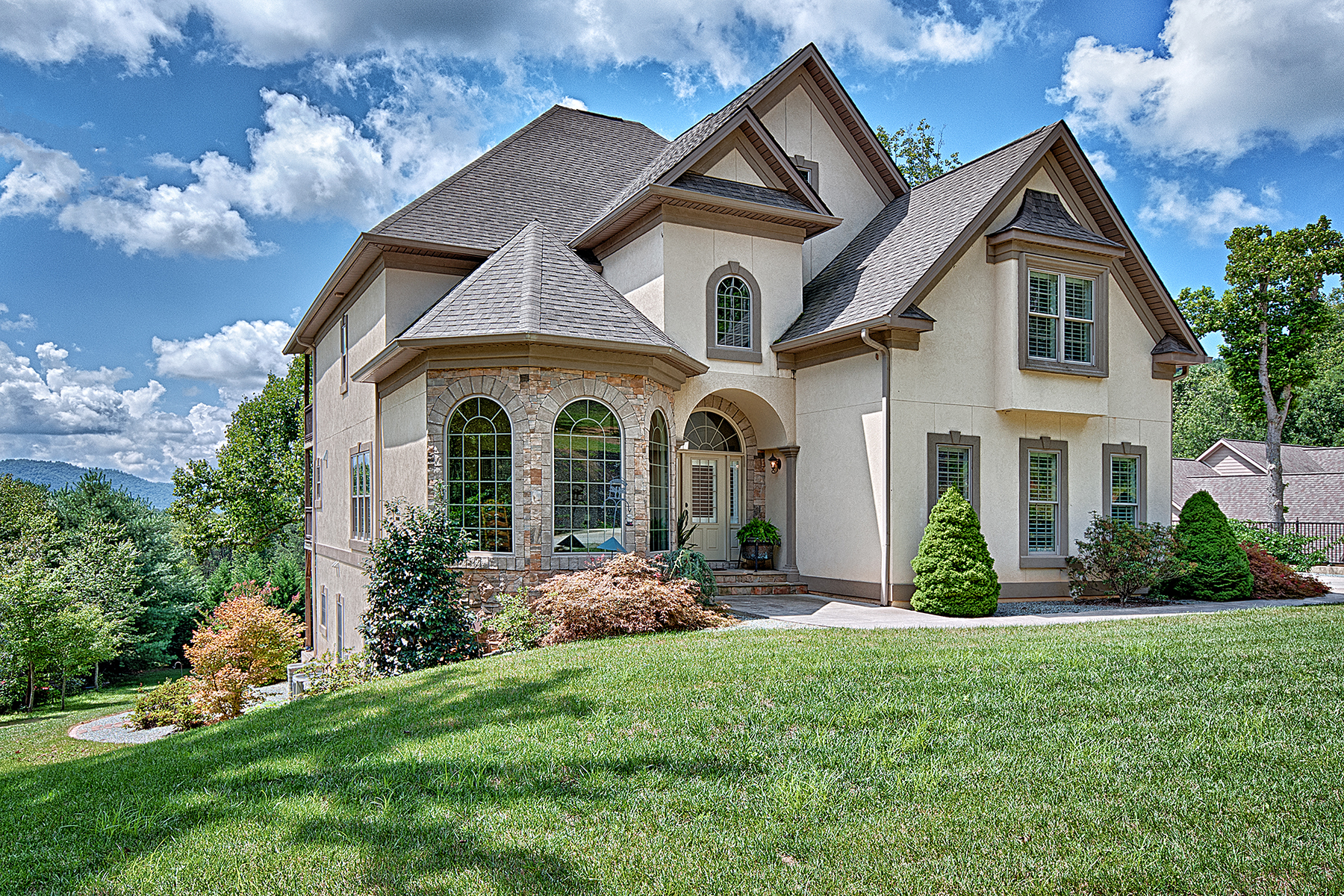 Single Family Home for Sale at TRILLIUM GLEN 132 Glen Trillium Dr Fletcher, North Carolina, 28732 United StatesIn/Around: Asheville