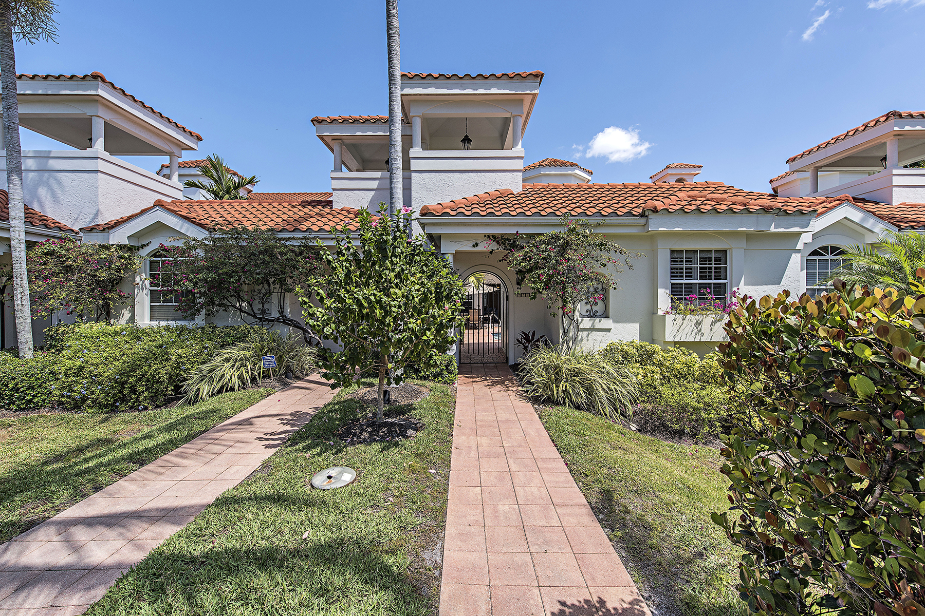 Townhouse for Sale at VILLAS DEL MAR 447 2nd Ave S E-1 Old Naples, Naples, Florida, 34102 United States