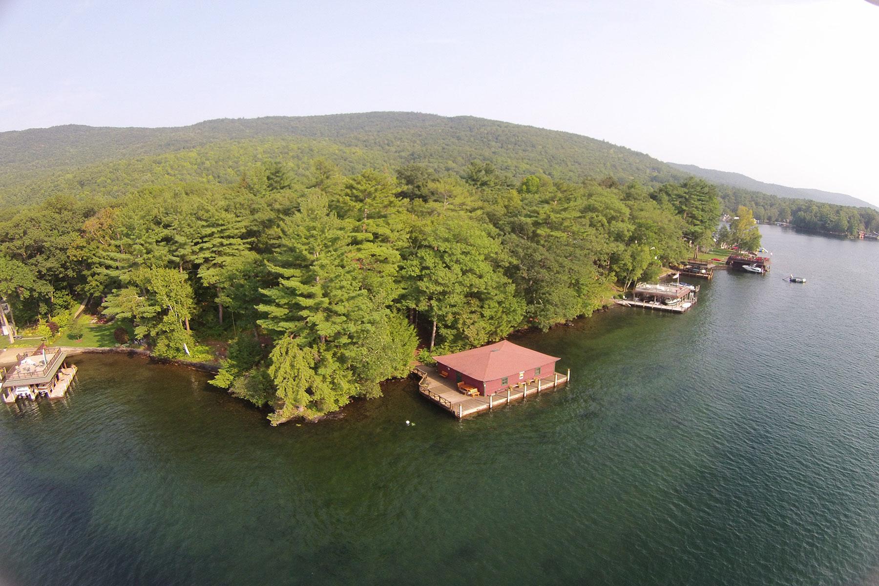 Частный односемейный дом для того Продажа на Tapawingo - Lake George Waterfront 32 Bean Rd Kattskill Bay, Нью-Йорк 12844 Соединенные Штаты
