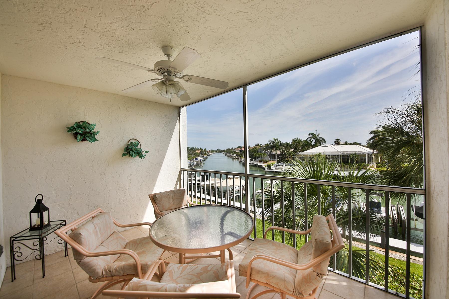 Condomínio para Venda às MARCO BEACH - EAGLE CAY 889 Collier Ct 2-305 Marco Island, Florida, 34145 Estados Unidos