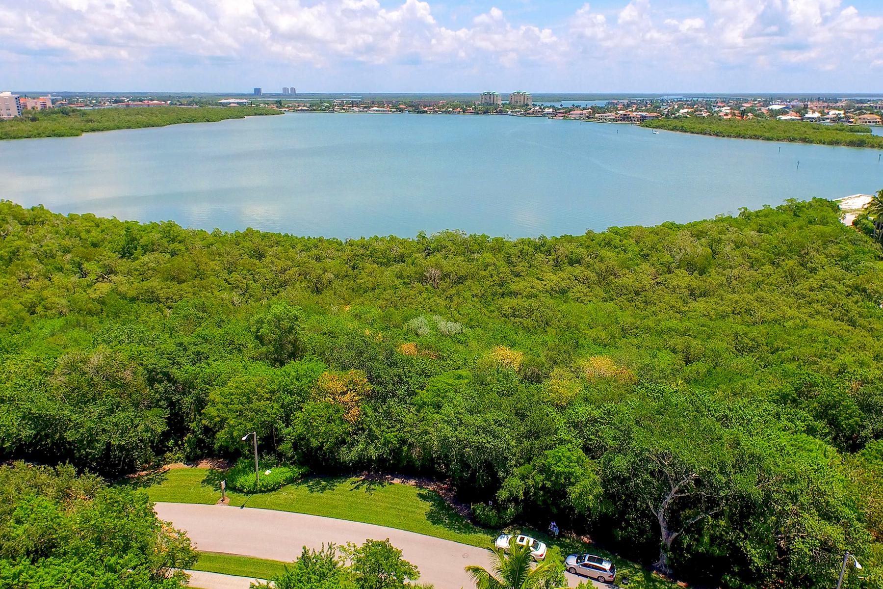 Terrain pour l Vente à MARCO ISLAND 945 Royal Marco Way Marco Island, Florida, 34145 États-Unis