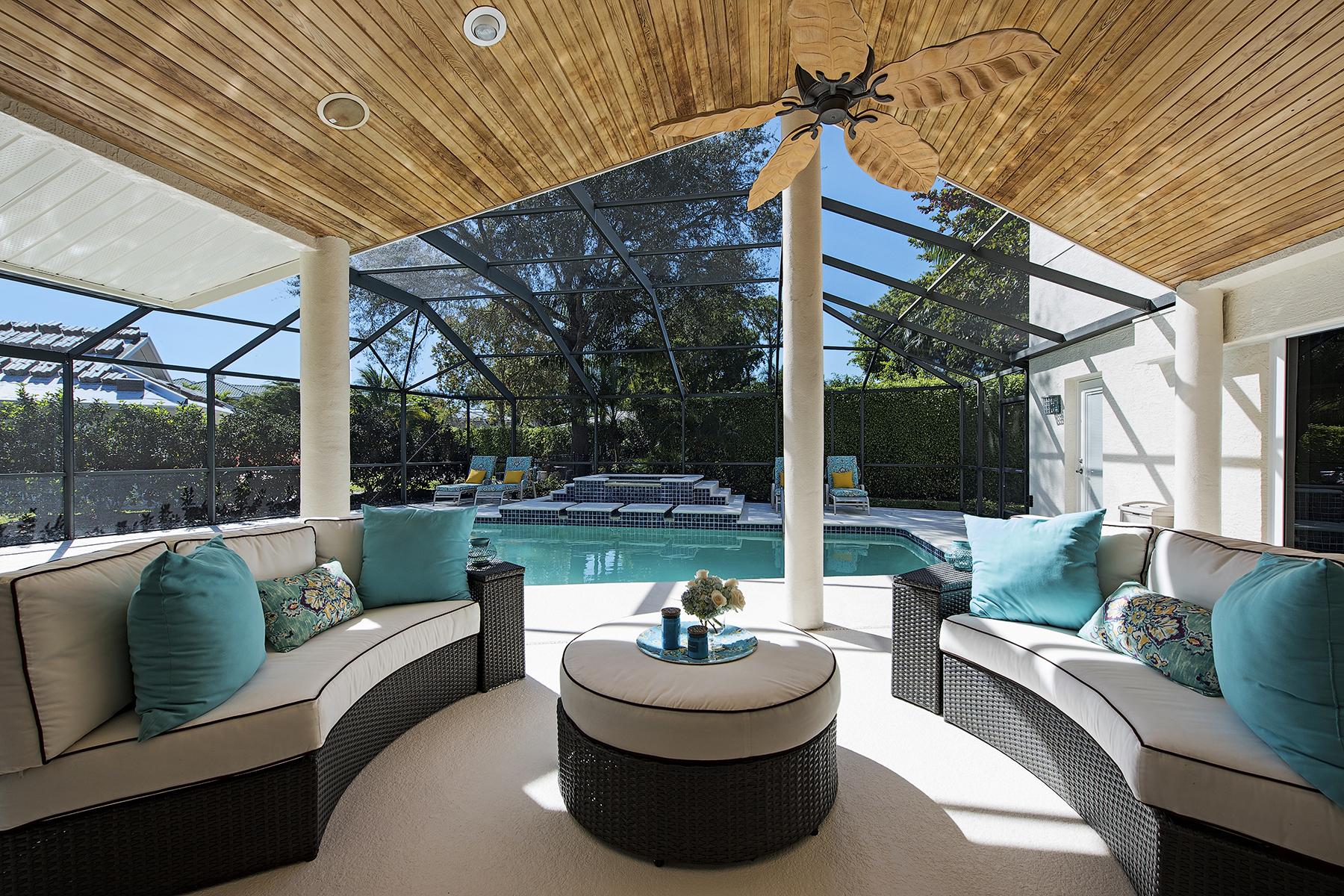 Casa Unifamiliar por un Venta en PARK SHORE 528 Devils Ln Naples, Florida, 34103 Estados Unidos