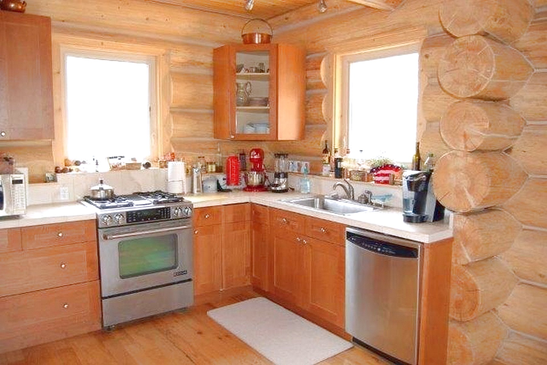 Additional photo for property listing at 76 Circle R , East Glacier Park, MT 59434 76  Circle R East Glacier Park, Montana 59434 United States