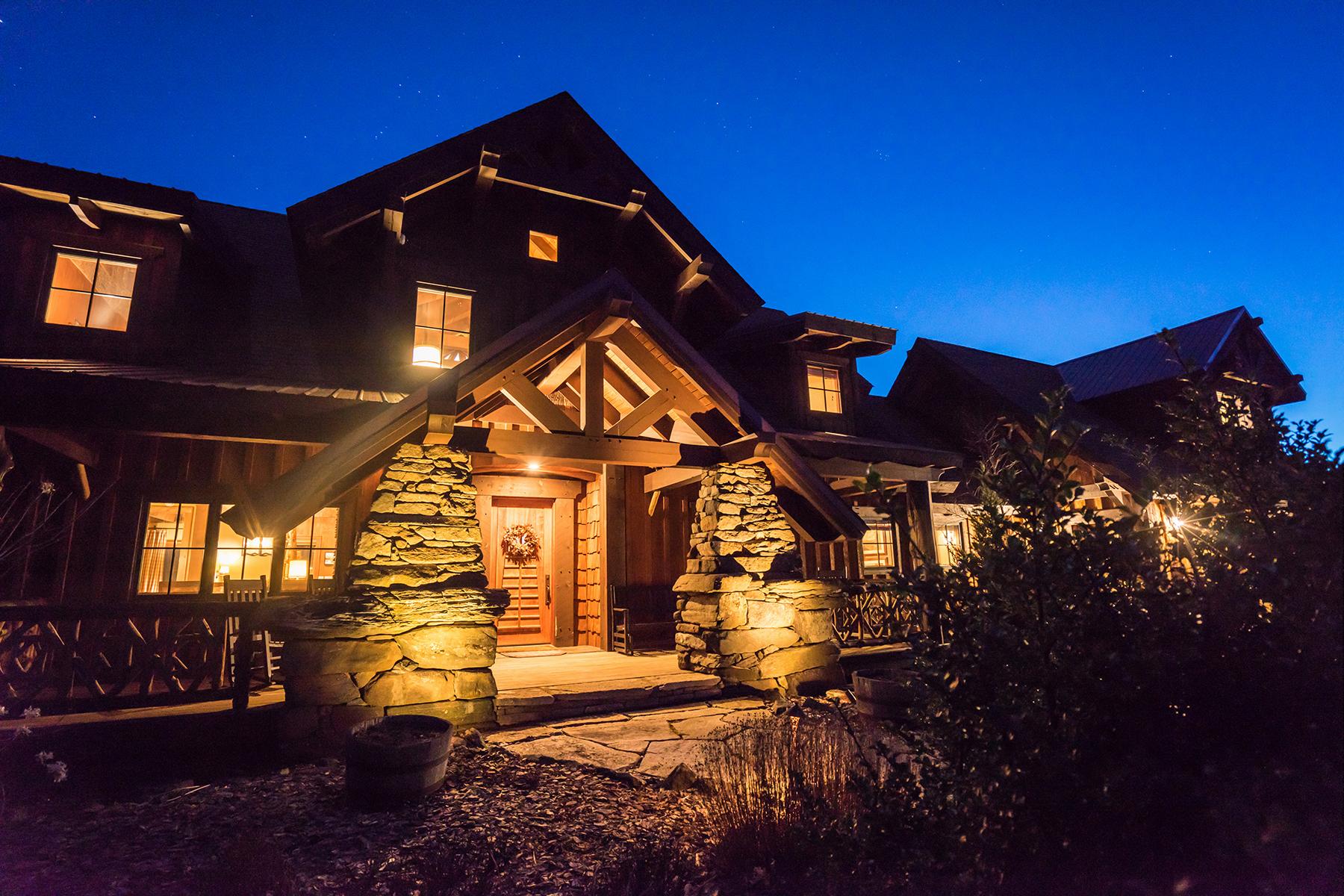 واحد منزل الأسرة للـ Sale في SUNALEI PRESERVE ZIONVILLE 862 Buffalo Nvno, Zionville, North Carolina, 28698 United States