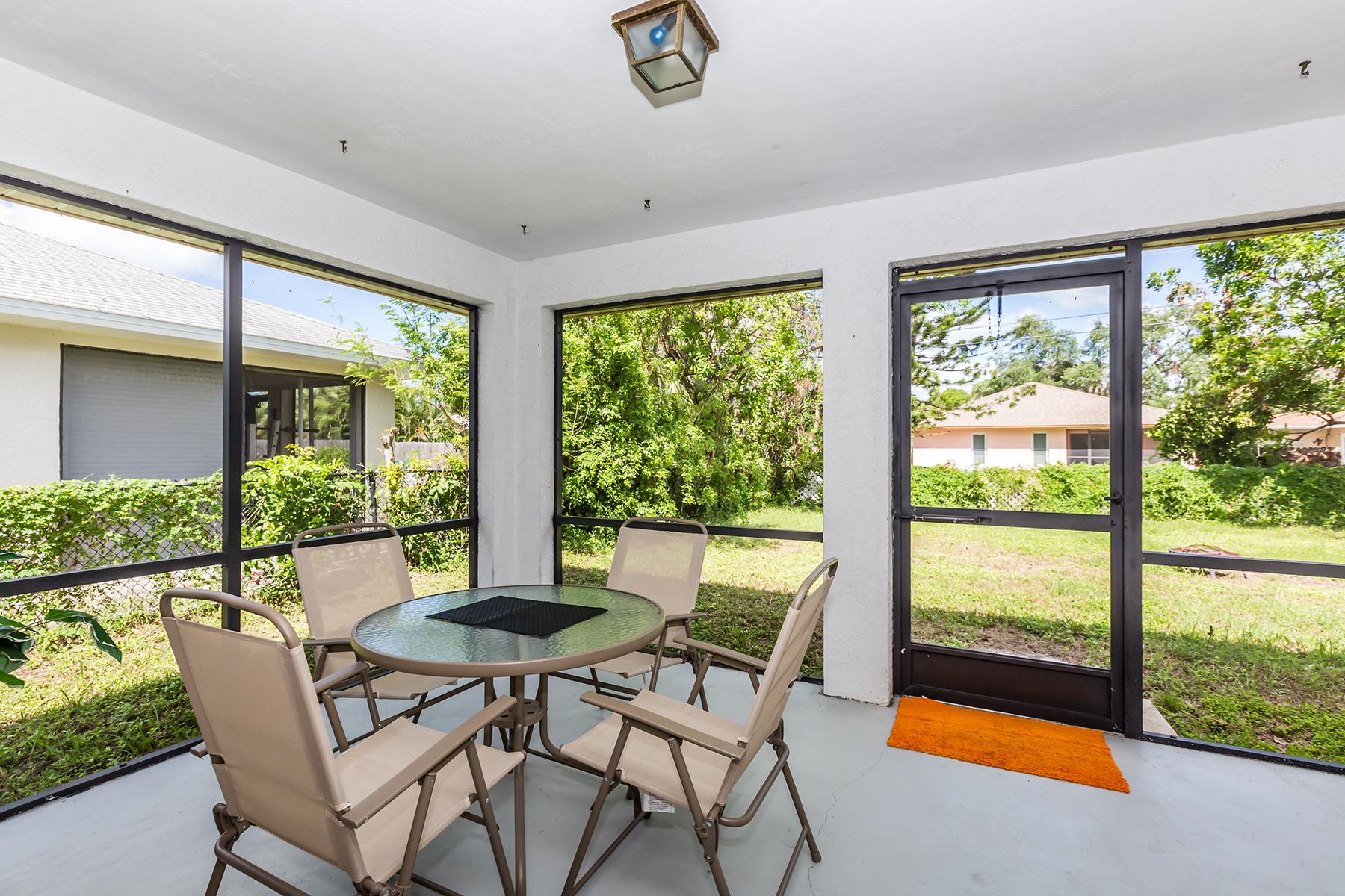 一戸建て のために 売買 アット NAPLES PARK 529 102nd Ave N, Naples, フロリダ, 34108 アメリカ合衆国