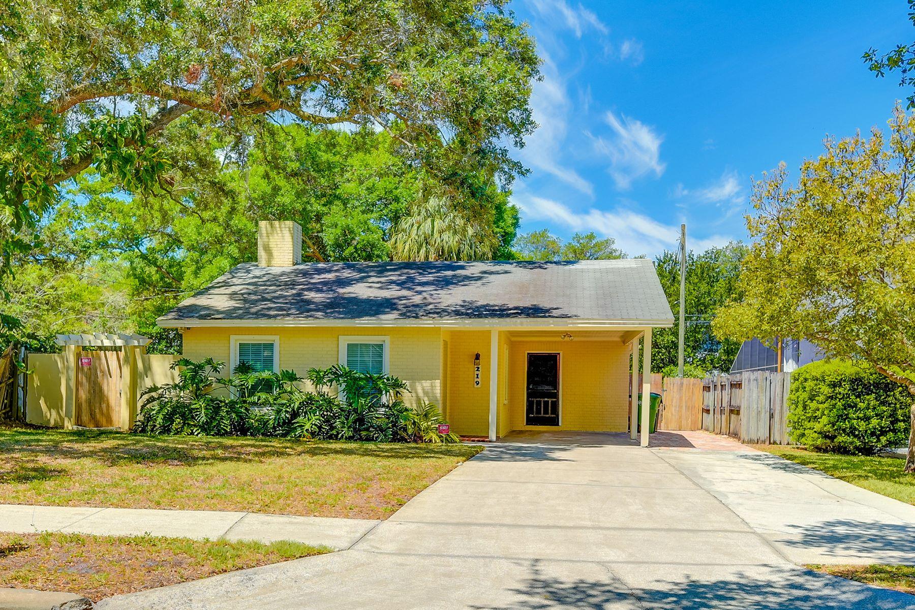Maison unifamiliale pour l Vente à SOUTH TAMPA 219 S Hale Ave Tampa, Florida, 33609 États-Unis
