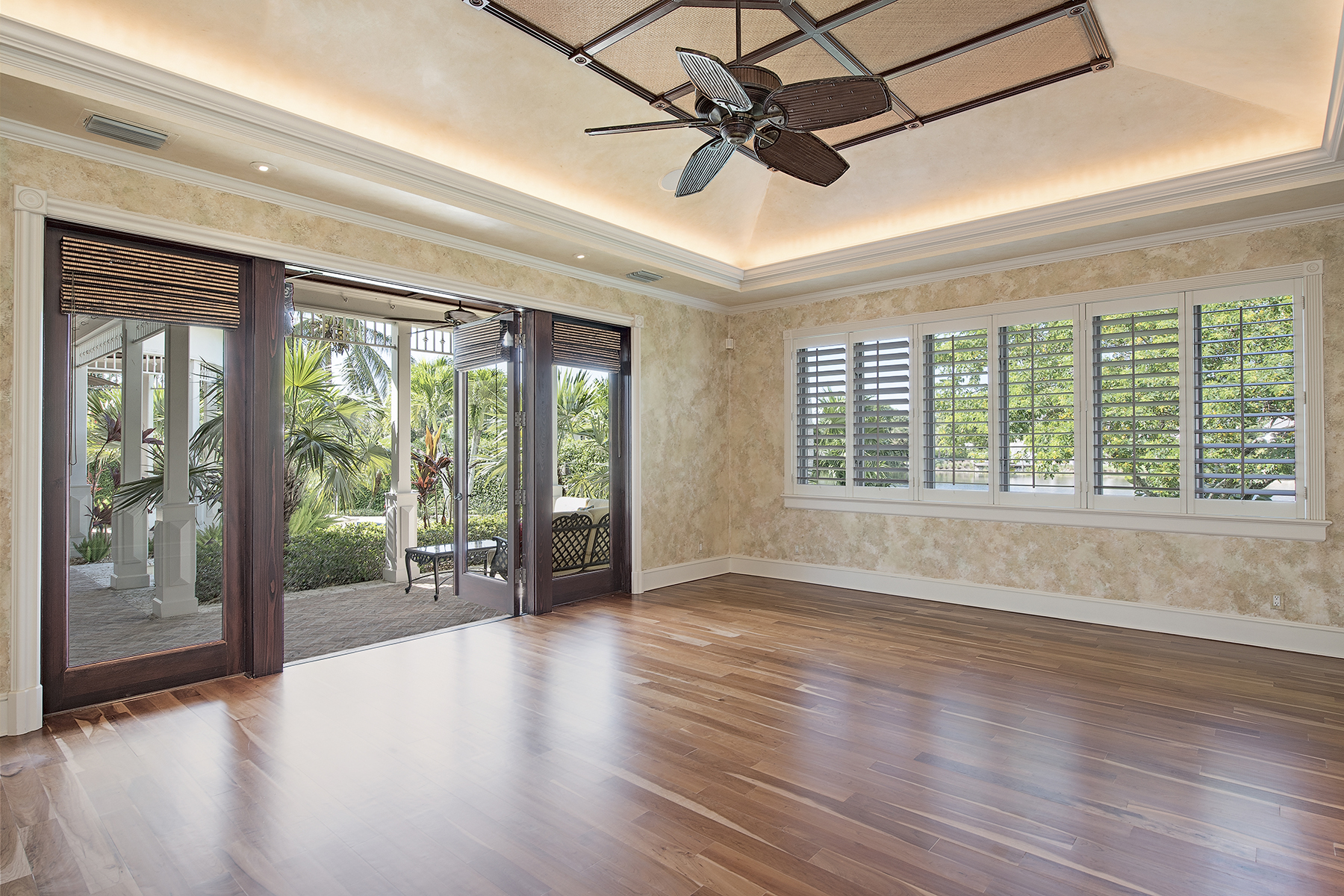 Additional photo for property listing at OLDE NAPLES 575  3rd St  N,  Naples, Florida 34102 United States