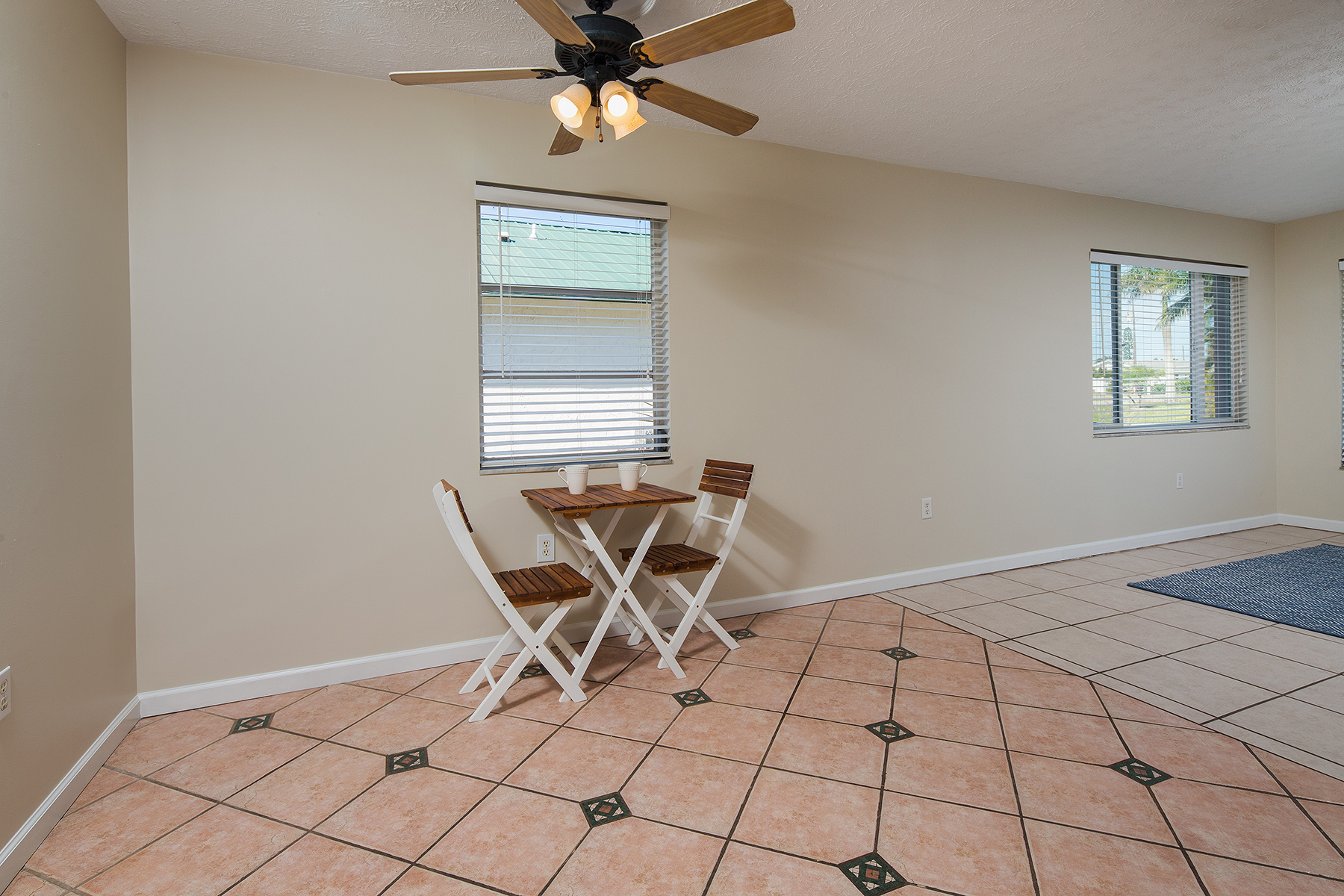 Additional photo for property listing at Naples 706  95th Ave  N,  Naples, Florida 34108 United States