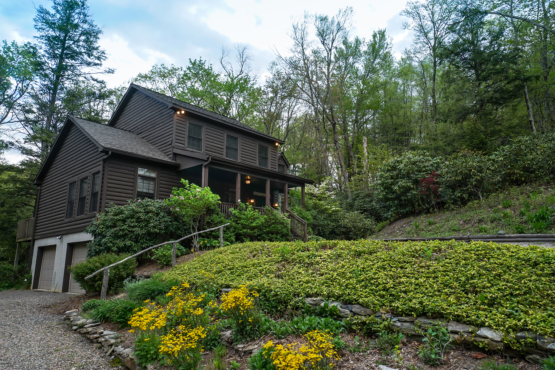 Single Family Home for Sale at BLOWING ROCK 312 Heritage Ln, Blowing Rock, North Carolina 28605 United States
