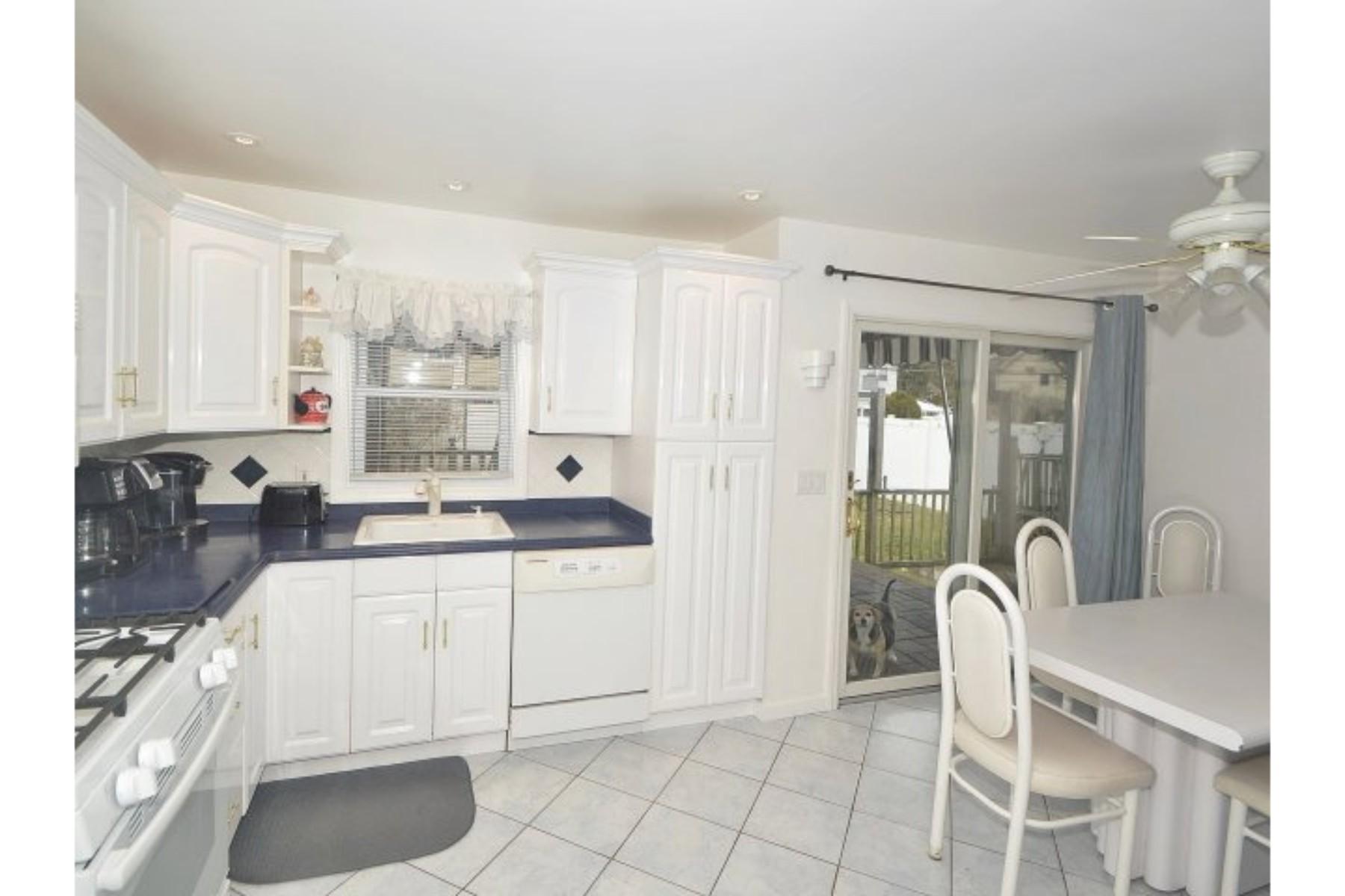 متعددة للعائلات الرئيسية للـ Sale في 1116 Oakfield Ave , N. Bellmore, NY 11710 1116 Oakfield Ave, Bellmore, New York, 11710 United States