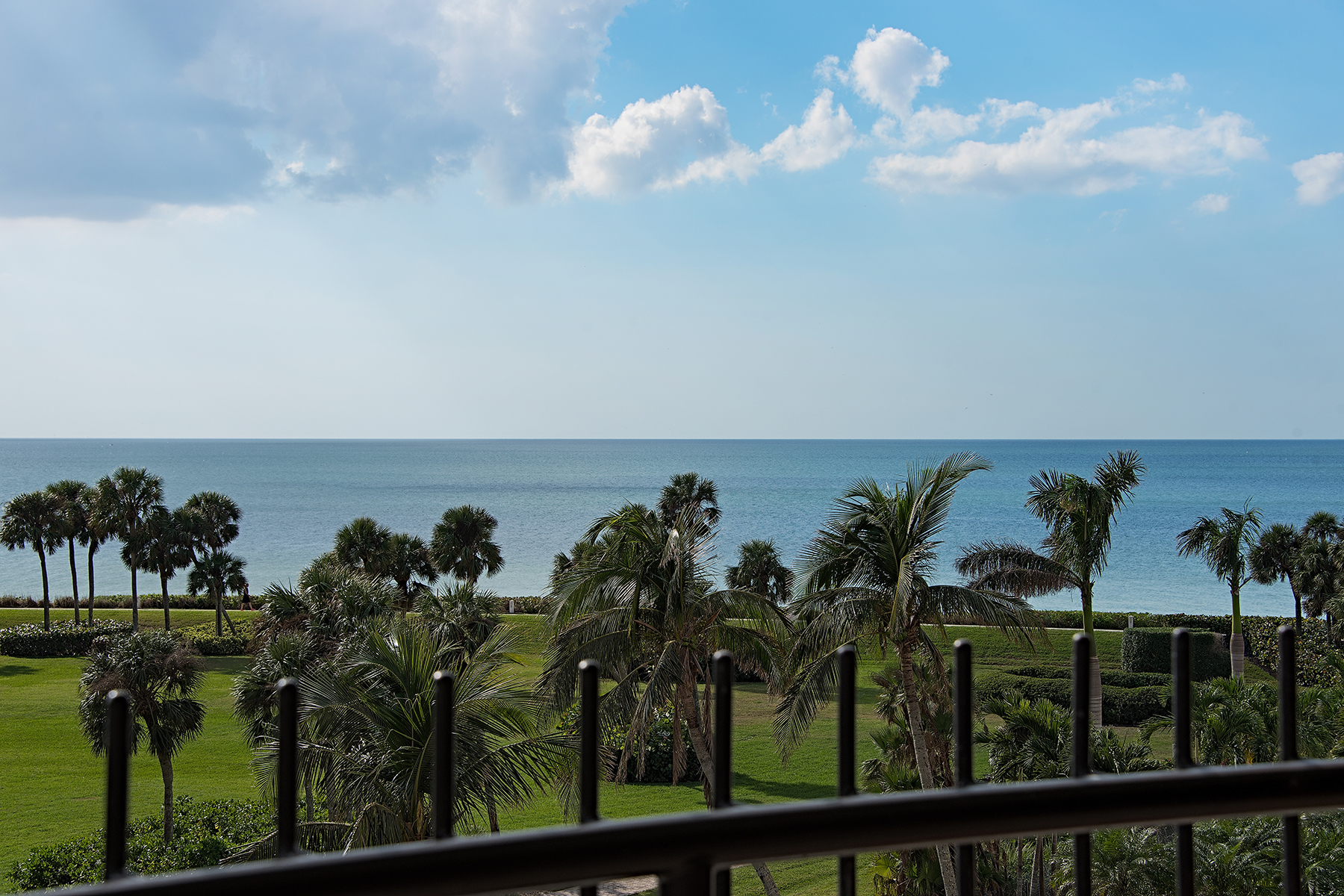 Additional photo for property listing at PARK SHORE - PARK SHORE TOWER 4251  Gulf Shore Blvd  N 5C,  Naples, Florida 34103 United States