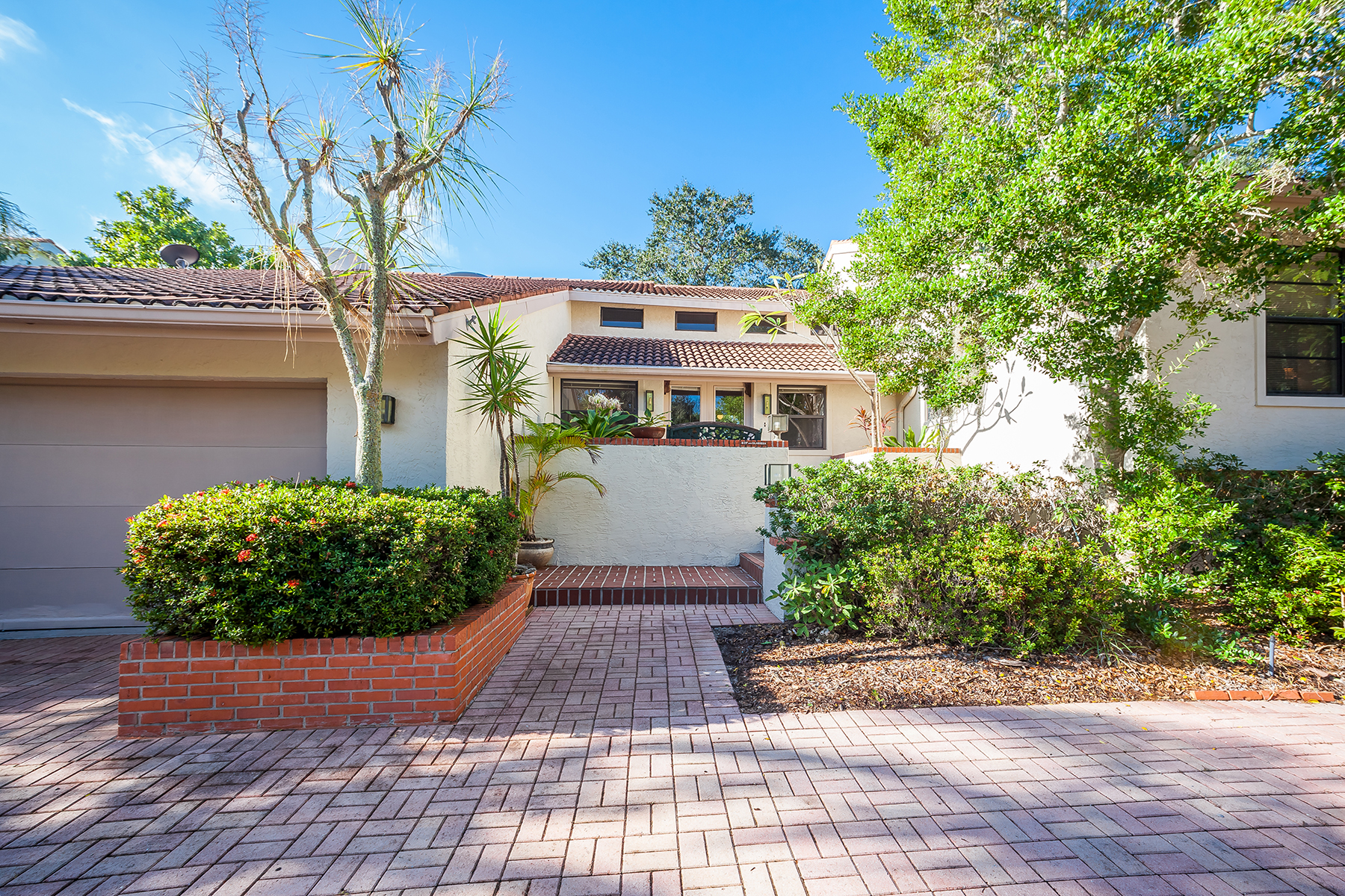 Single Family Home for Sale at LONGBOAT KEY 3391 Bayou Sound Longboat Key, Florida, 34228 United States