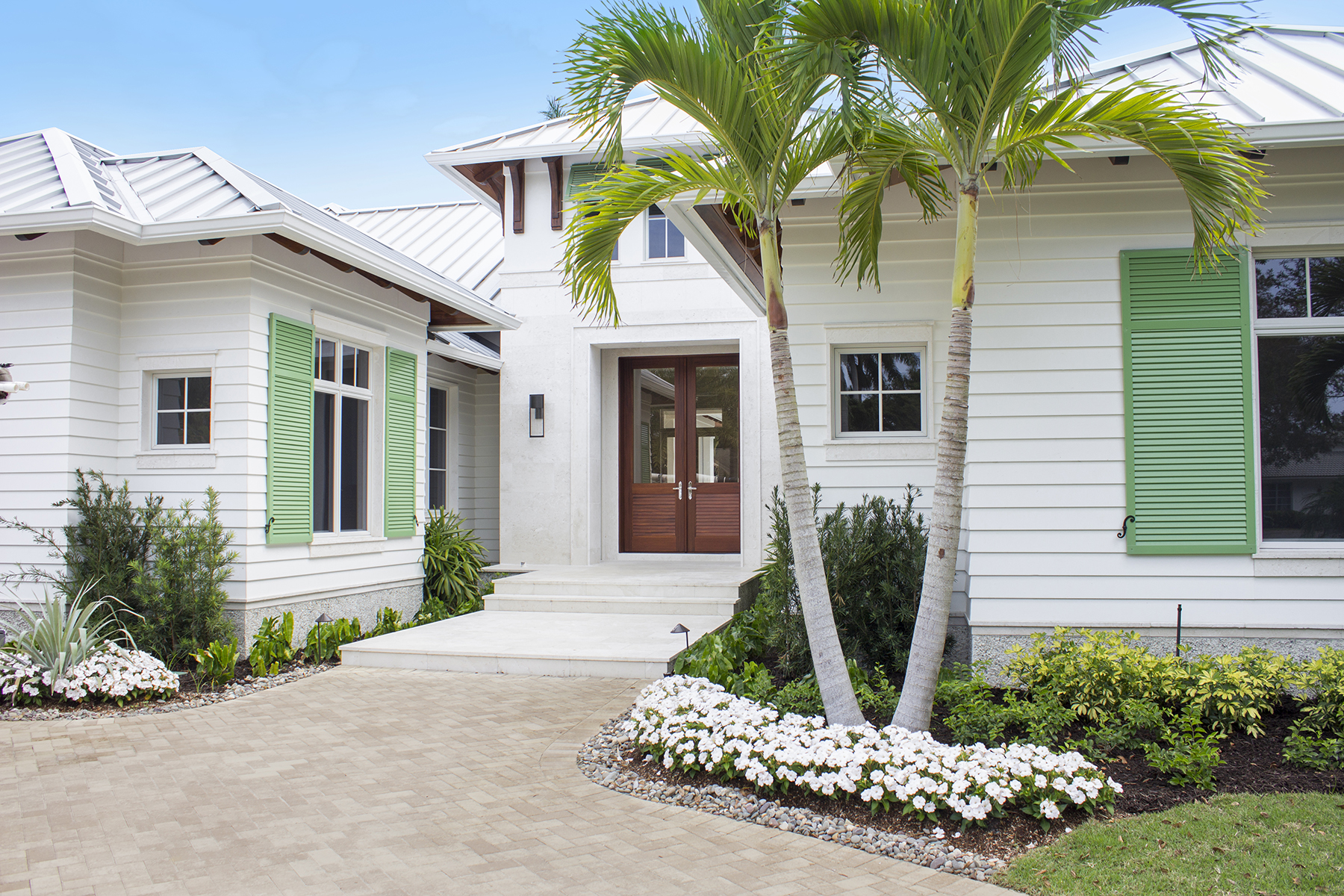 Single Family Home for Sale at MOORINGS 3020 Crayton Rd, Naples, Florida 34103 United States
