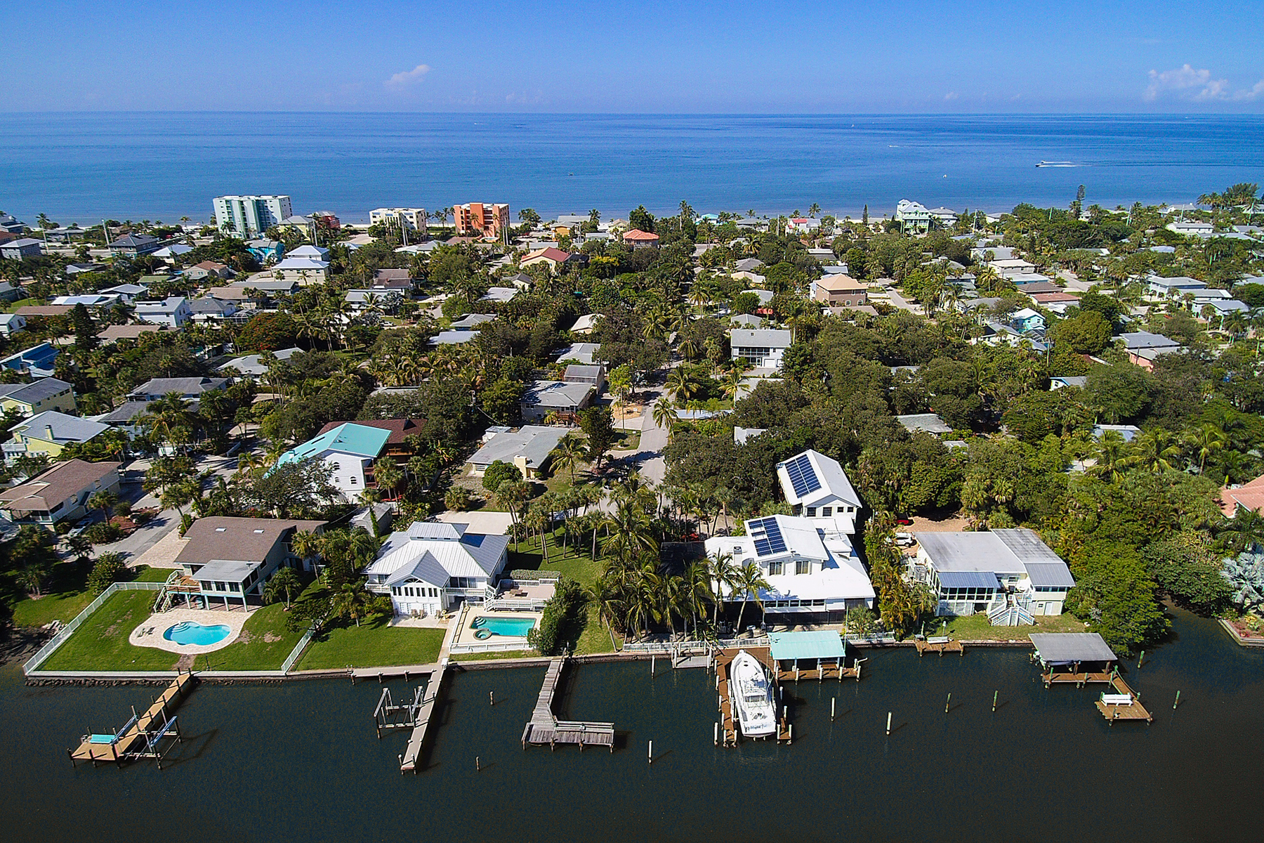 Casa Unifamiliar por un Venta en SABAL SHORES 189 Sabal Dr Fort Myers Beach, Florida, 33931 Estados Unidos