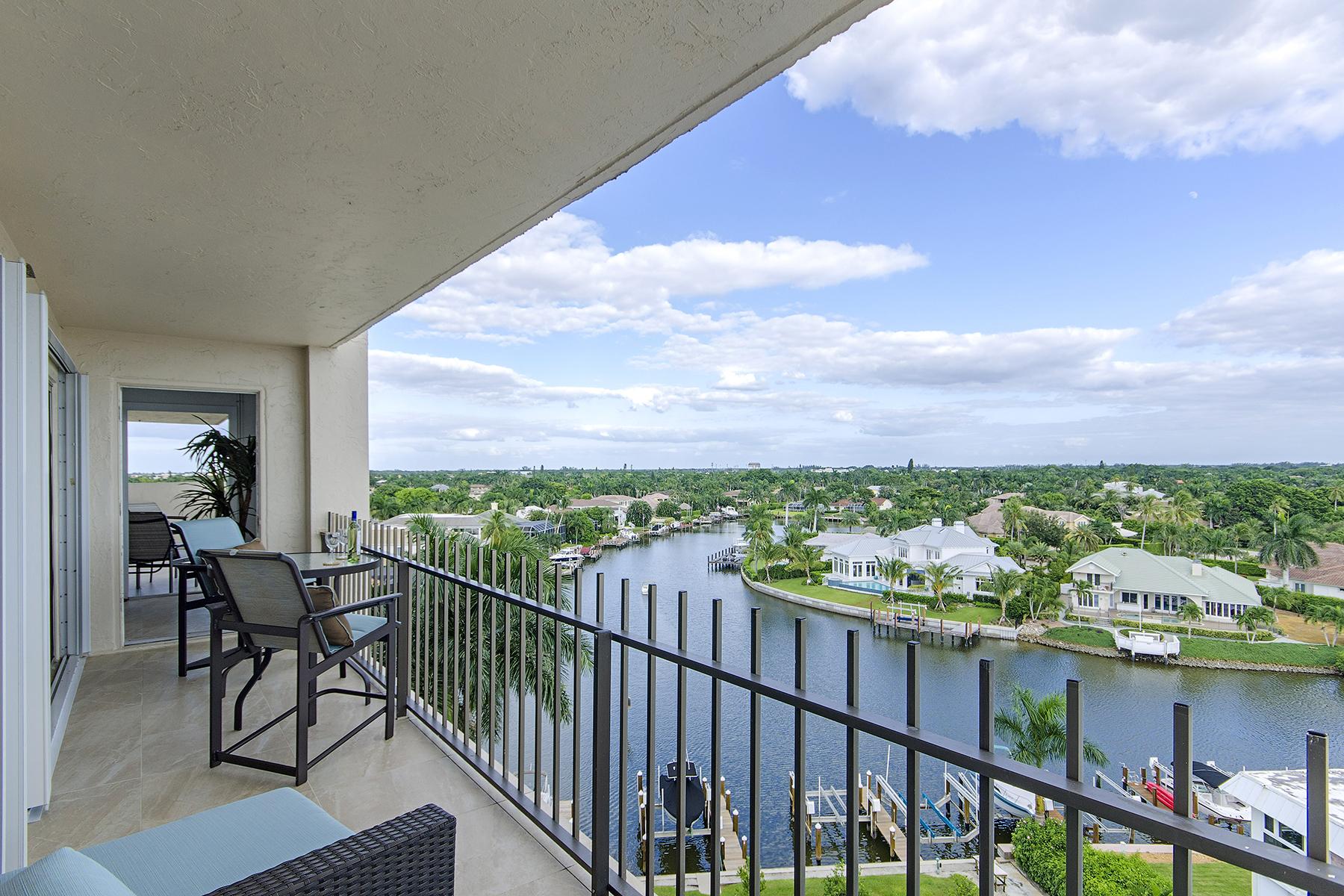 Condomínio para Venda às MOORINGS - KINGSPORT 2150 Gulf Shore Blvd N PS Naples, Florida, 34102 Estados Unidos