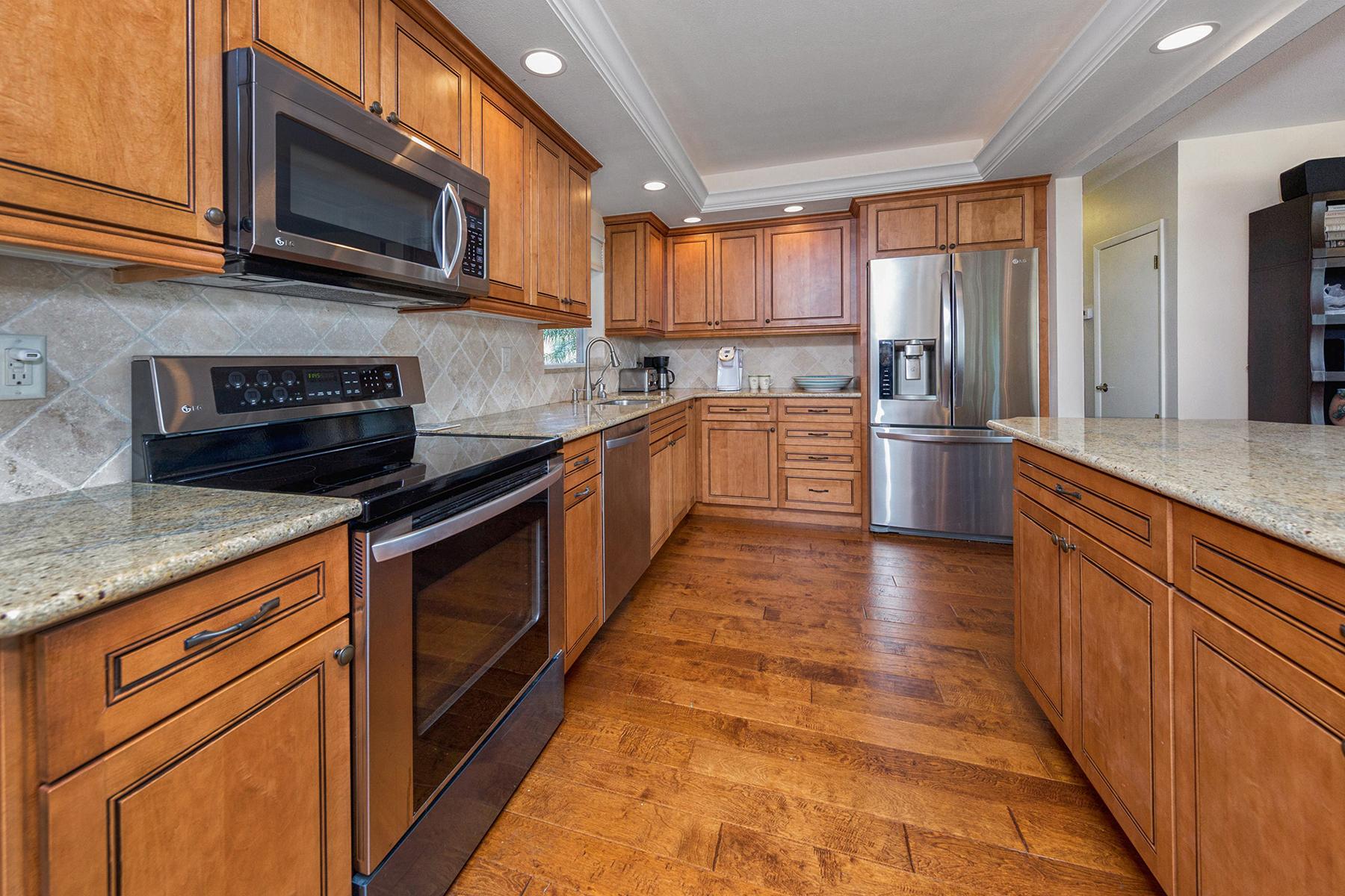 Частный односемейный дом для того Продажа на VENICE ISLAND 720 Ocala St Venice Island, Venice, Флорида, 34285 Соединенные Штаты