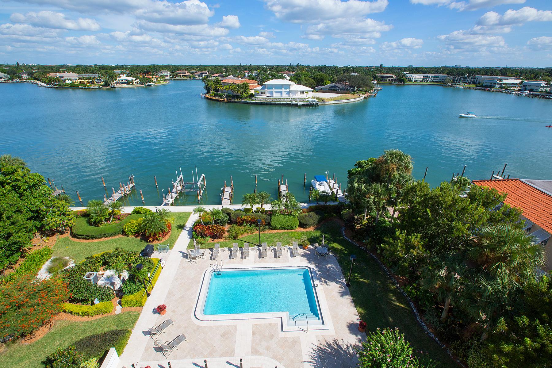 Кондоминиум для того Продажа на MOORINGS - LUCERNE 3100 Gulf Shore Blvd N 602 Naples, Флорида, 34103 Соединенные Штаты