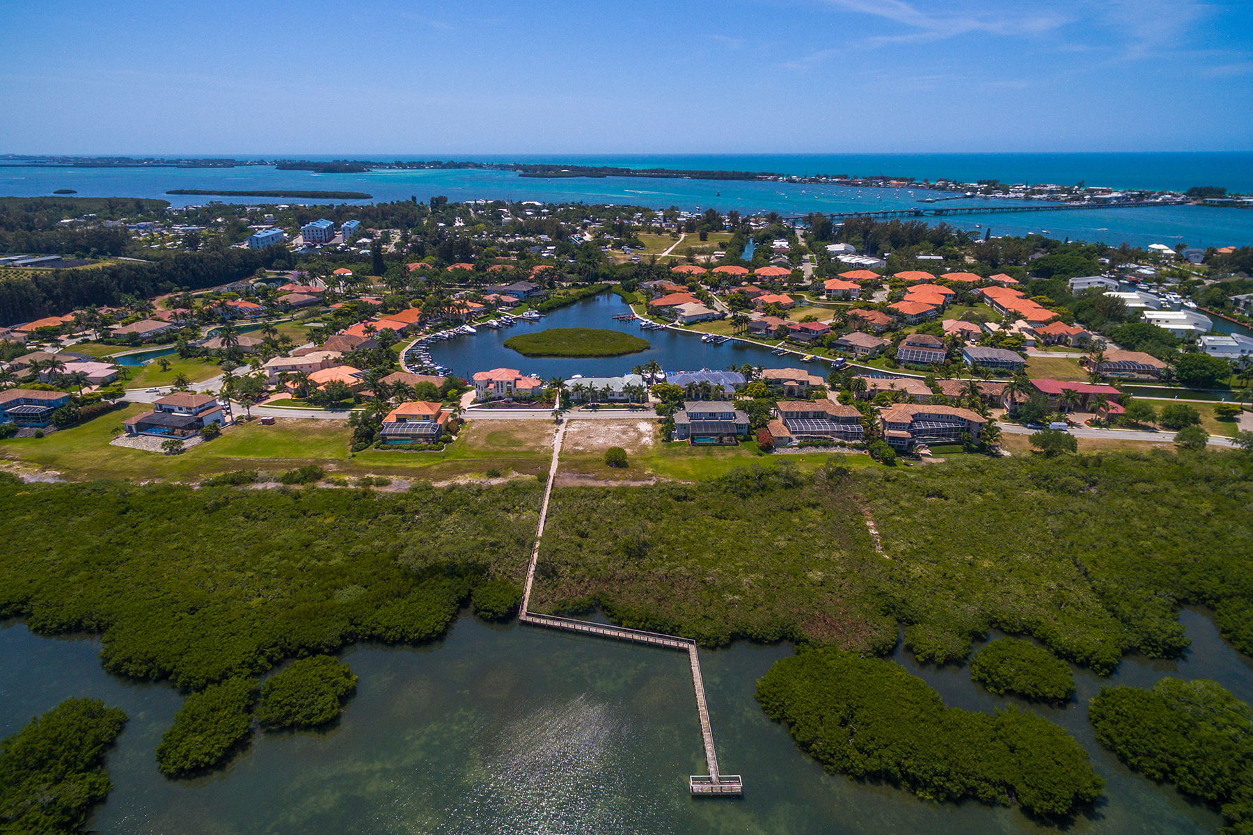 Земля для того Продажа на HARBOUR LANDINGS ESTATES 12421 Baypointe Terr 28, Cortez, Флорида, 34215 Соединенные Штаты