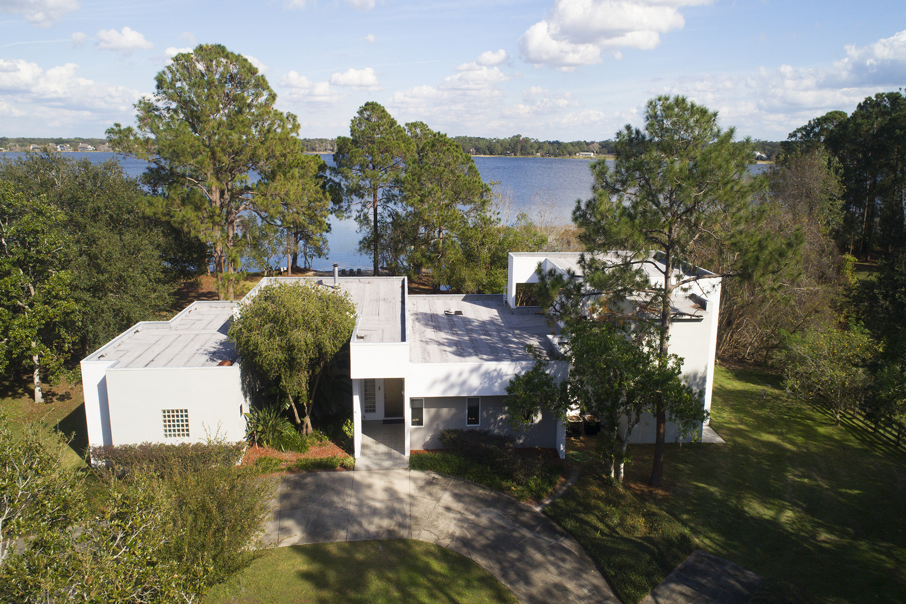 Single Family Home for Sale at ORLANDO - EUSTIS 1565 Lakeview Rd, Eustis, Florida, 32726 United States