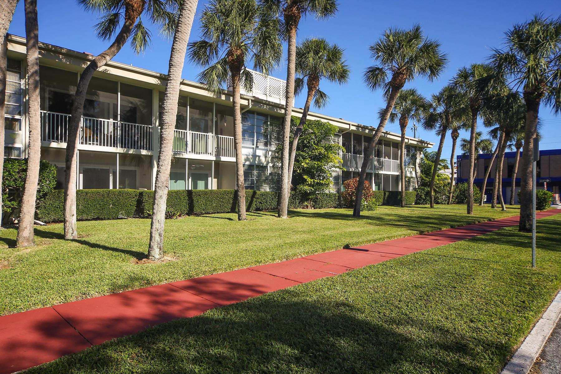 共管式独立产权公寓 为 出租 在 SARASOTA - KINGSTON ARMS 500 S Washington Dr 2B, 萨拉索塔, 佛罗里达州, 34236 美国