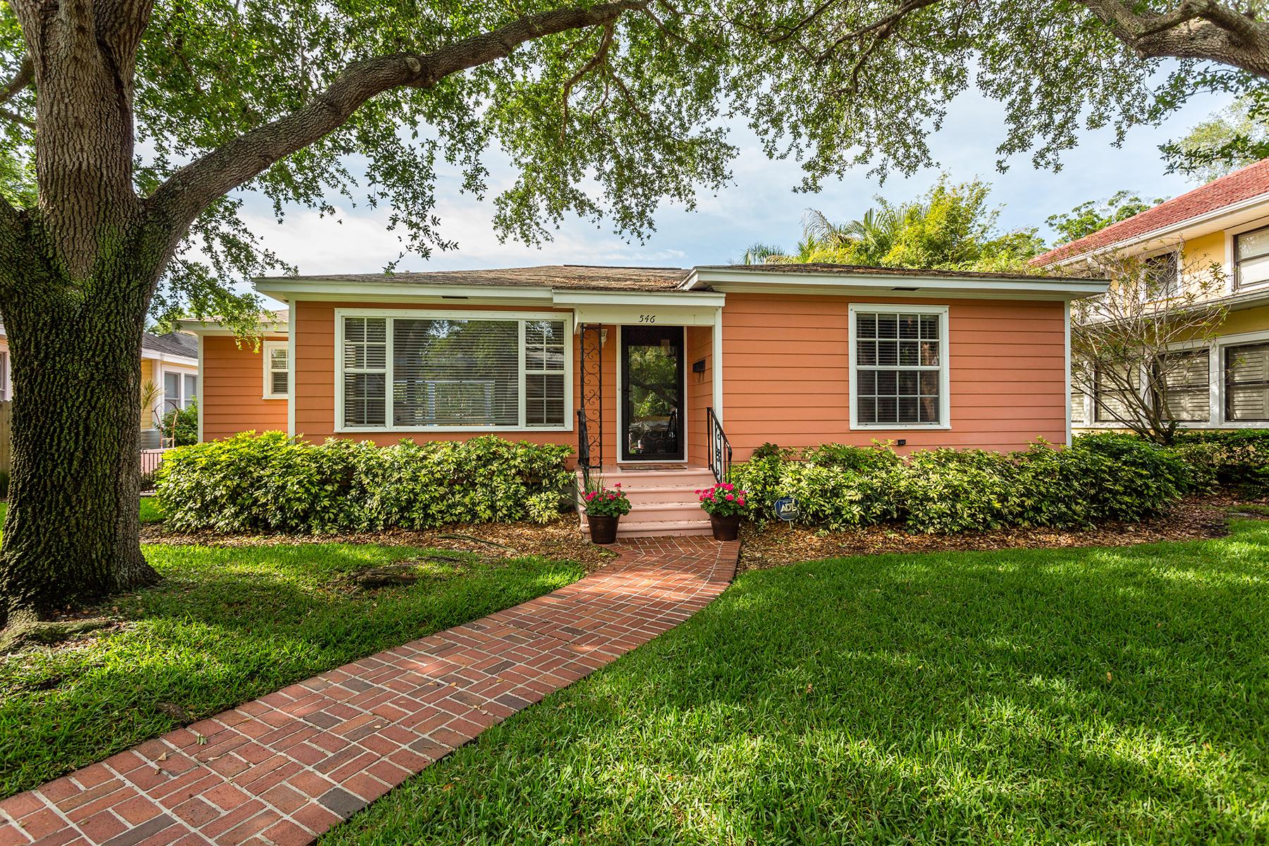 Casa Unifamiliar por un Venta en 546 17th Ave NE, Saint Petersburg, FL 33704 546 17th Ave NE St. Petersburg, Florida, 33704 Estados Unidos