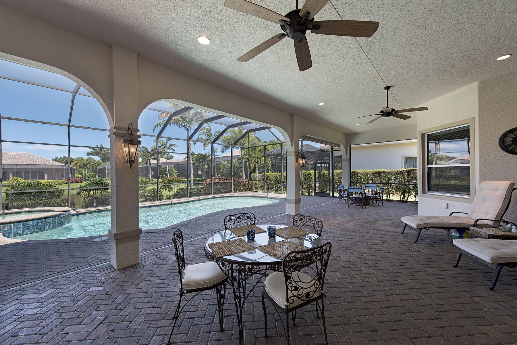 Casa para uma família para Venda às VINEYARDS - HAMMOCK ISLES 5678 Sago Ct Naples, Florida, 34119 Estados Unidos