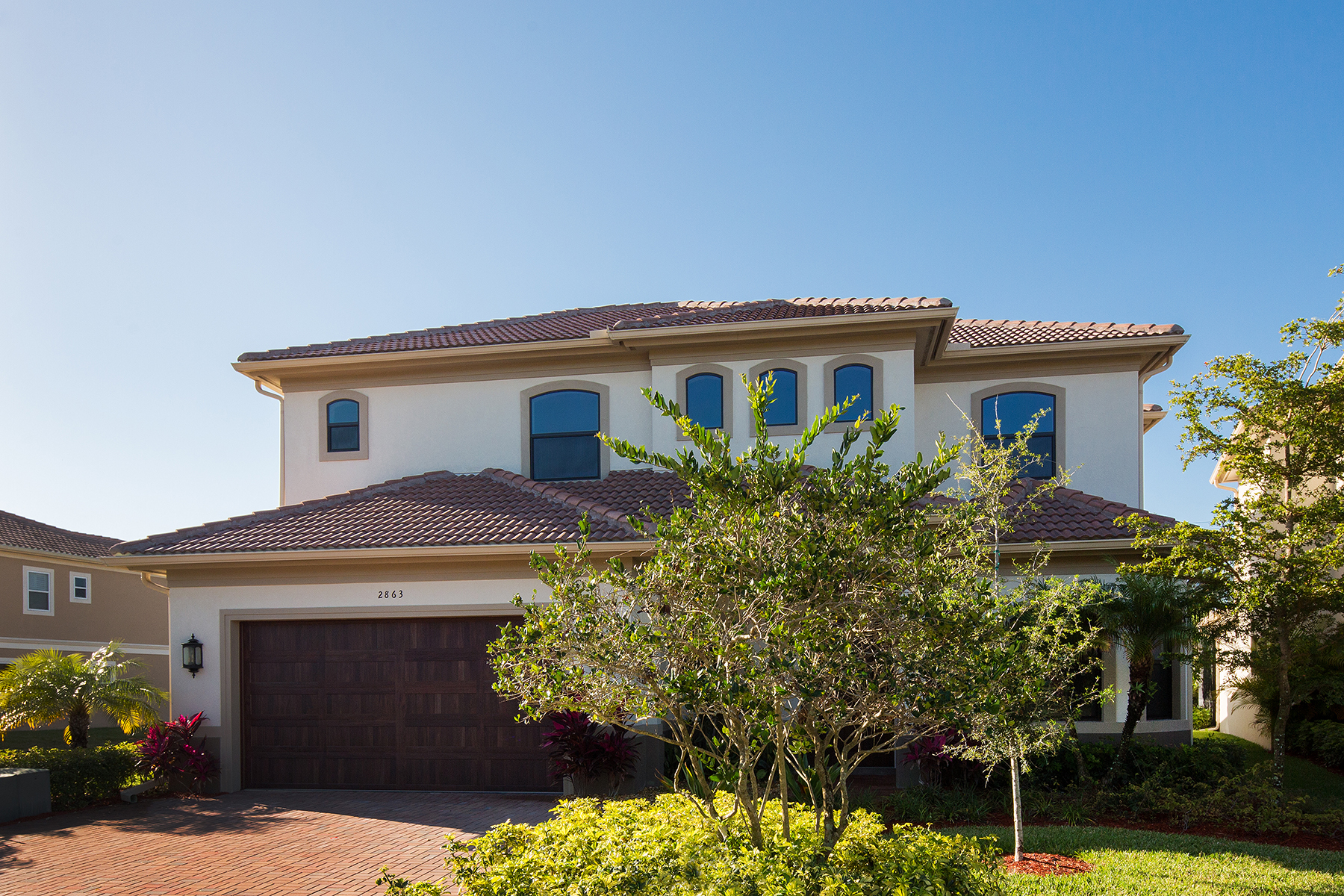Maison unifamiliale pour l Vente à MONTEBELLO - COCO LAKES 2863 Coco Lakes Dr Naples, Florida, 34105 États-Unis