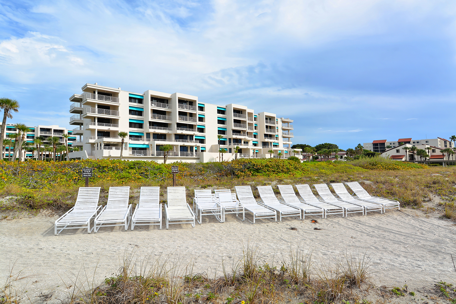 Condominium for Sale at SUNSET BEACH-LONGBOAT KEY 2105 Gulf Of Mexico Dr 3204 Longboat Key, Florida, 34228 United States