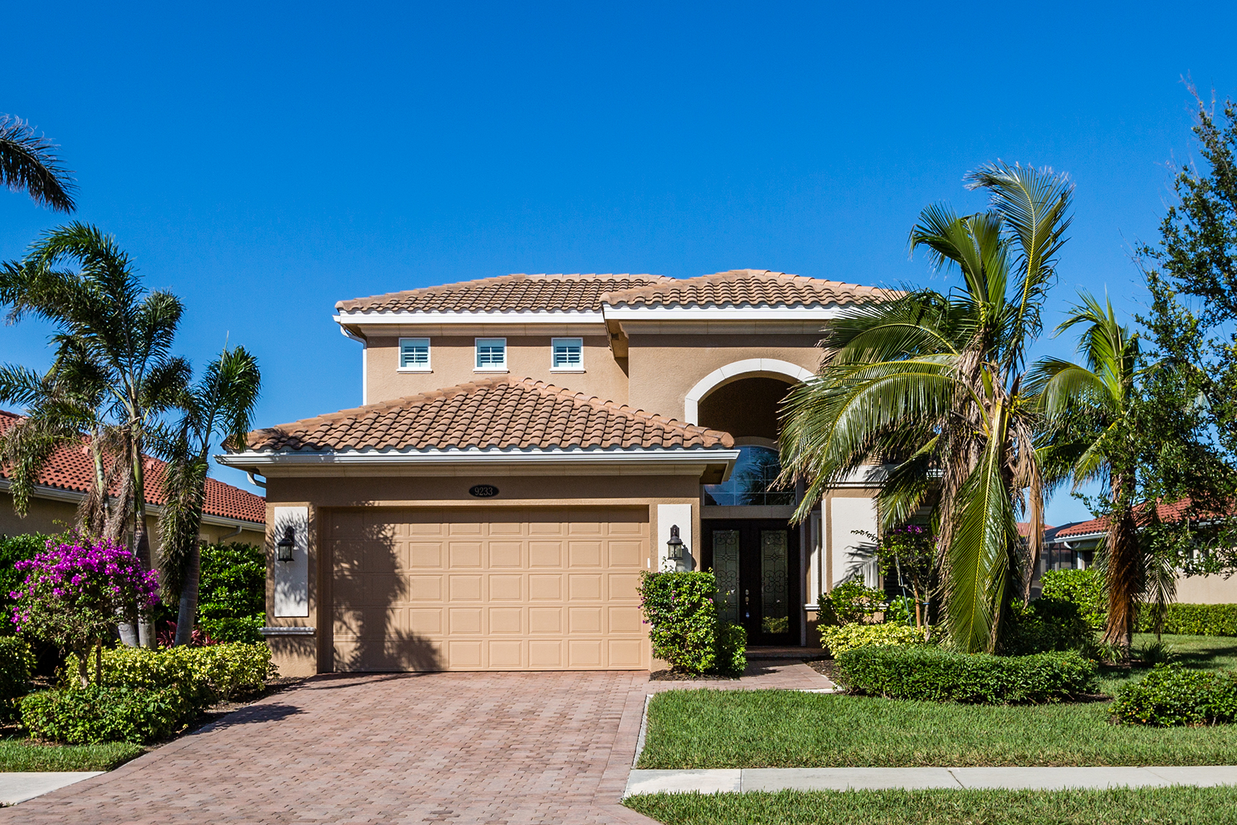 Single Family Home for Sale at FIDDLERS CREEK 9233 Campanile Cir, Naples, Florida 34114 United States