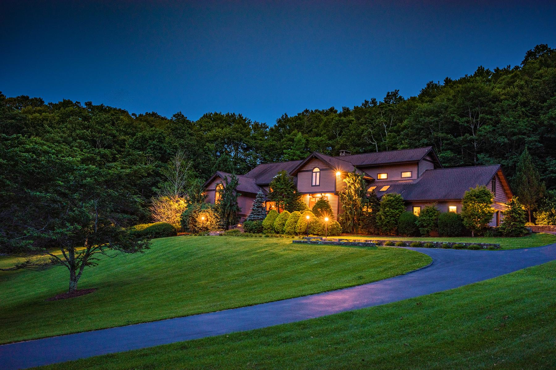 独户住宅 为 销售 在 BLOWING ROCK - LAUREL CHASE 251 Laurel Chase, Blowing Rock, 北卡罗来纳州, 28605 美国