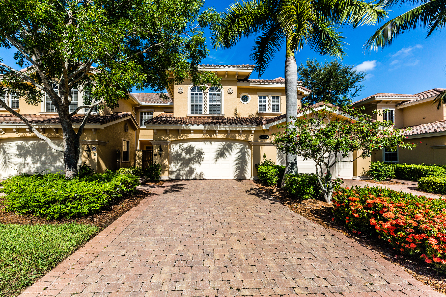 Condominio per Vendita alle ore FIDDLER'S CREEK - CHERRY OAKS 8961 Cherry Oaks Trl 102 Naples, Florida, 34114 Stati Uniti